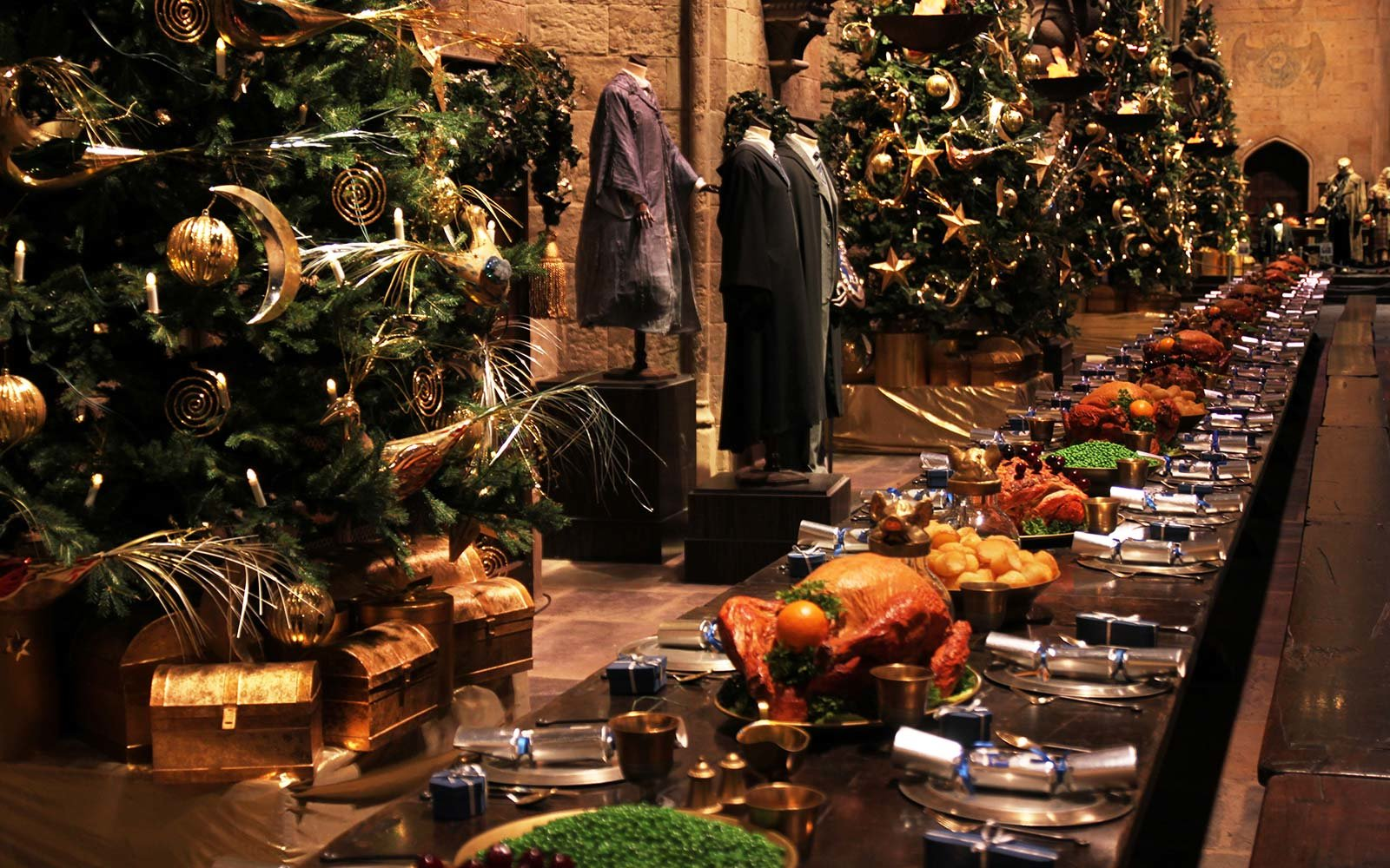 You Can Eat A Christmas Feast And Attend The Yule Ball At