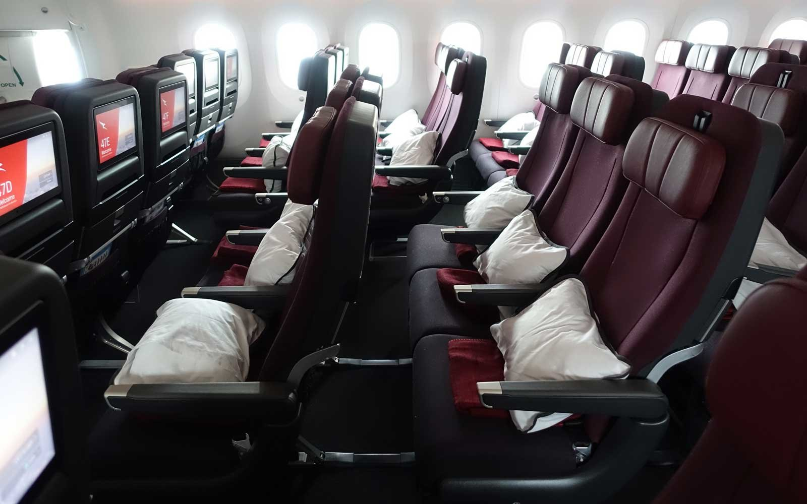 An inside look at the new plane that will fly the worlds longest qantas dreamliner stopboris