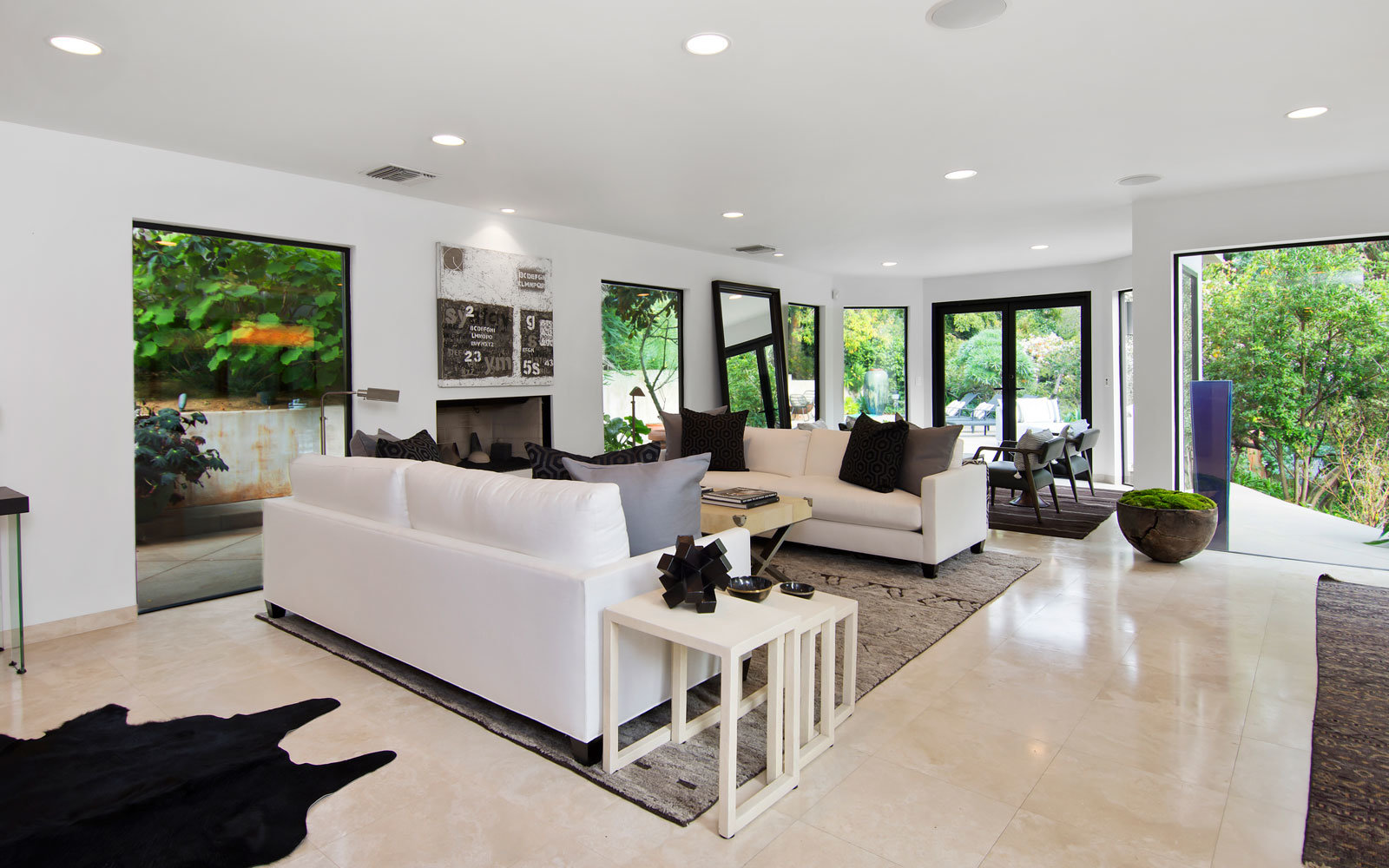 beverly hills rental living room