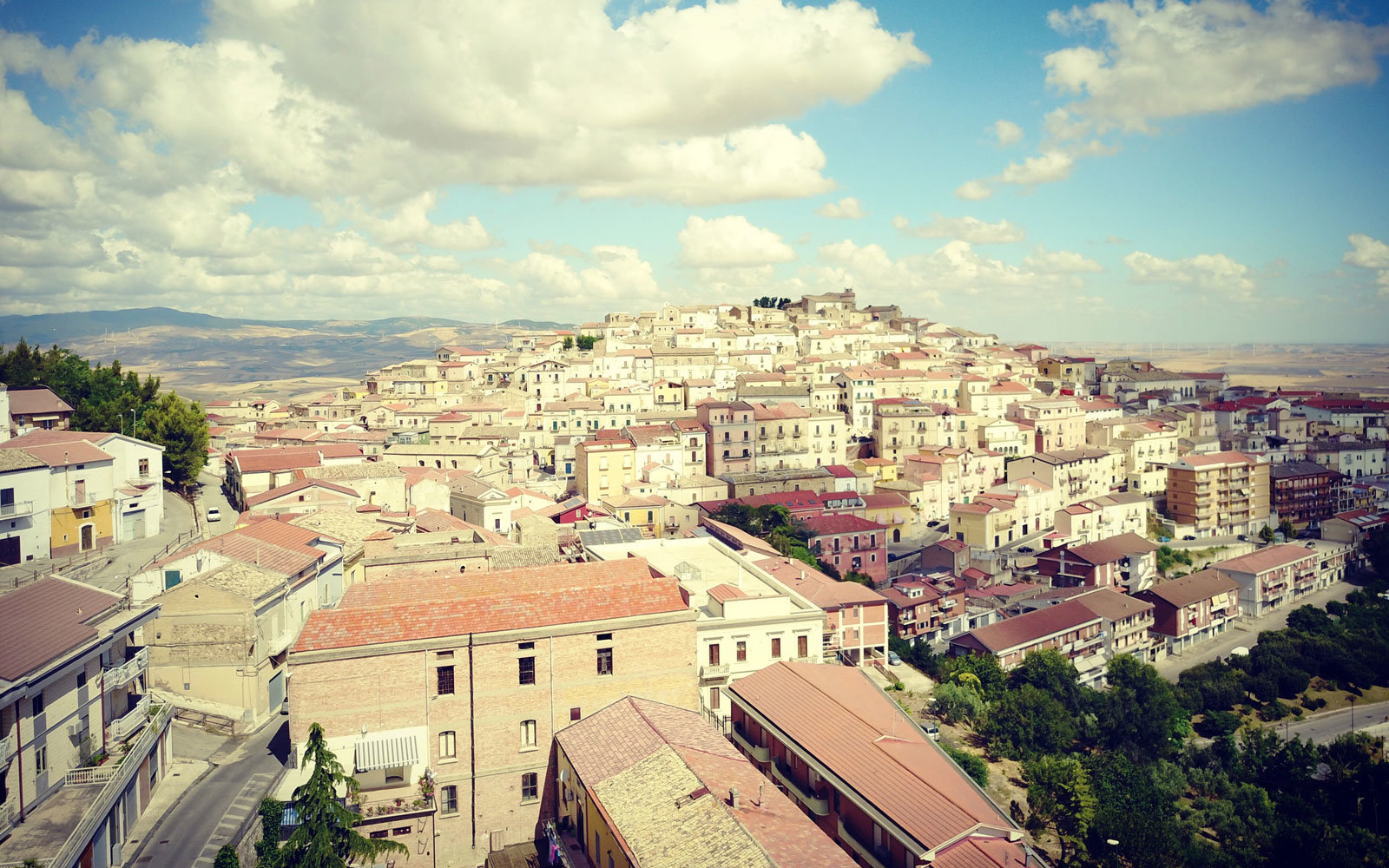 Italian town offers people $2350 to move there