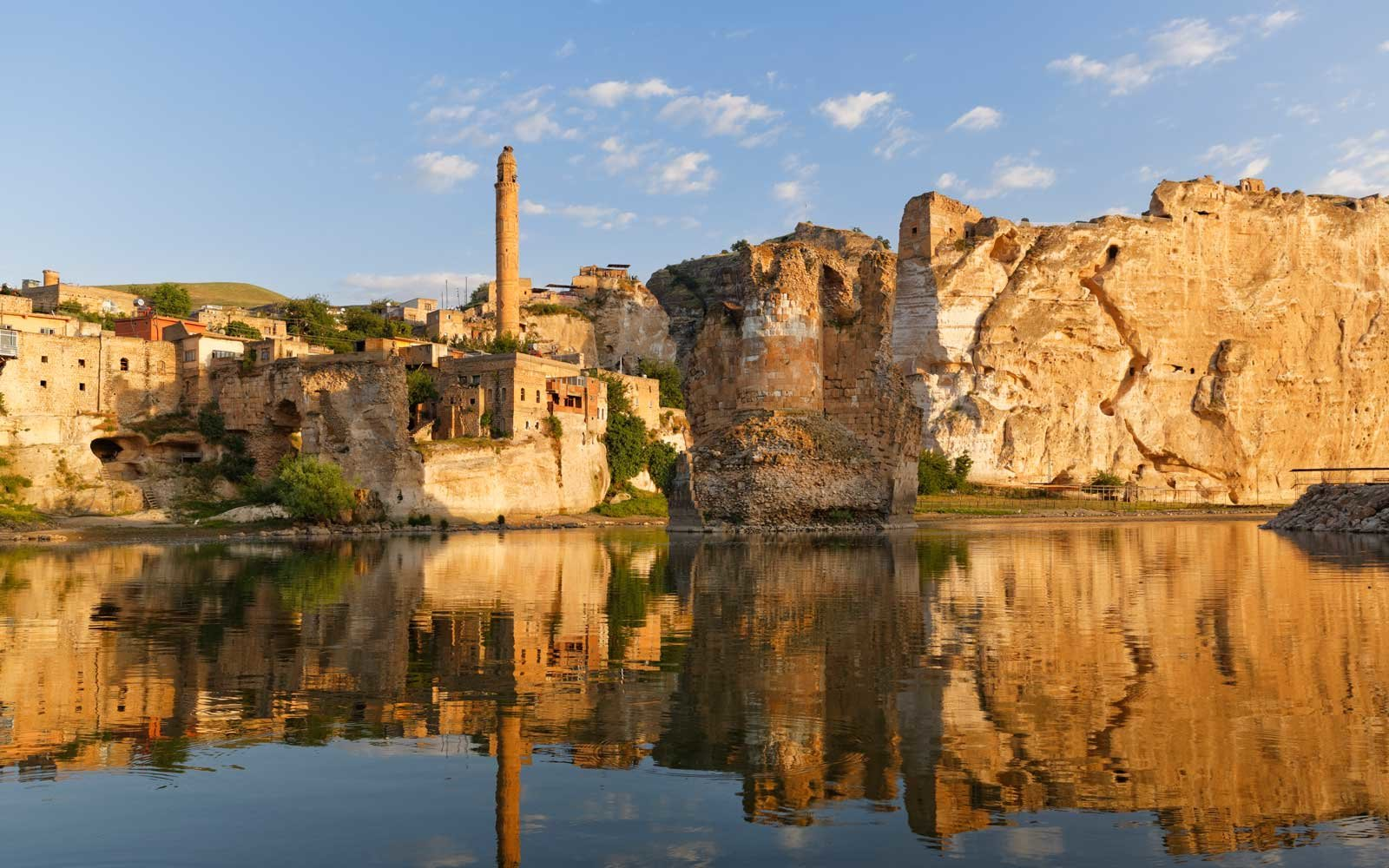 Turkey, Anatolia, Hasankeyf, minaret of El Rizk Mosque at River Tigris
