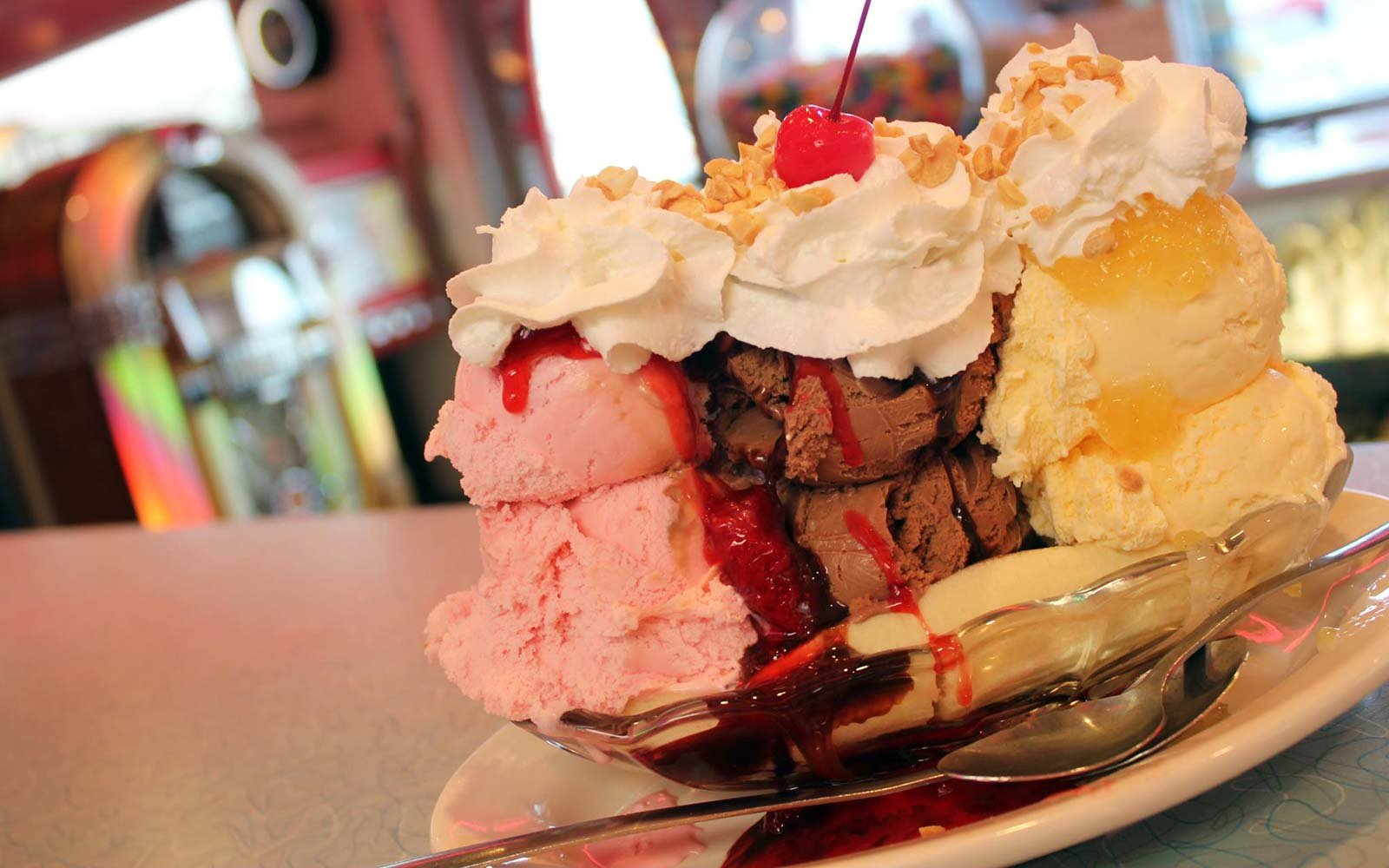 best diner restaurant south usa mels pigeon forge tennessee