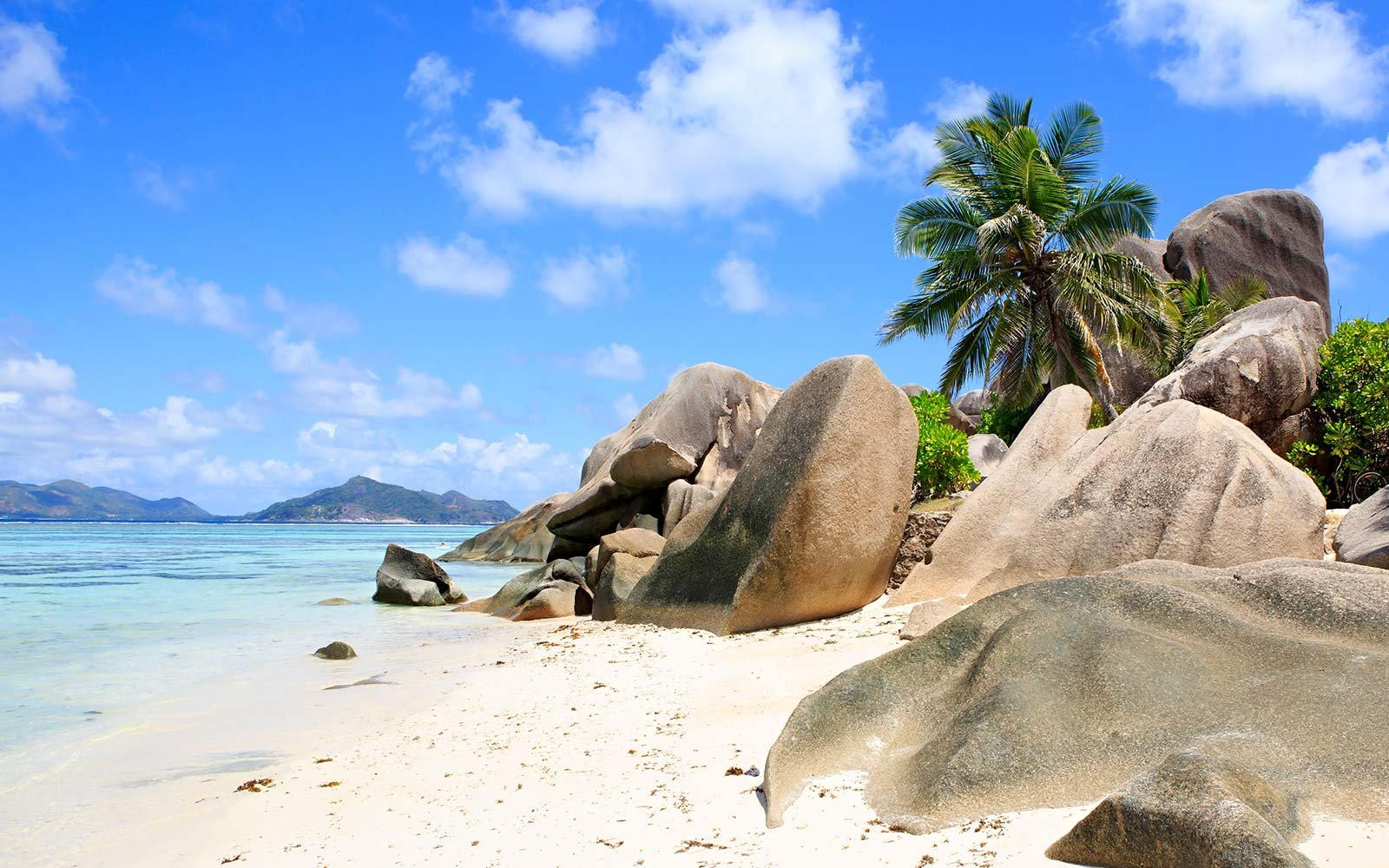 white sand beach anse source d'argent seychelles island