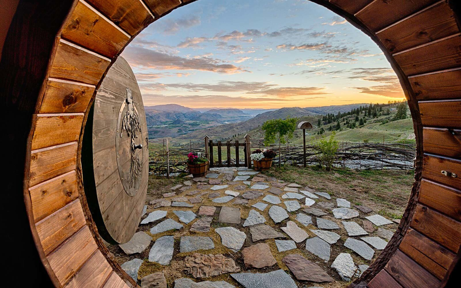 hobbit house washington airbnb rental home holiday travel