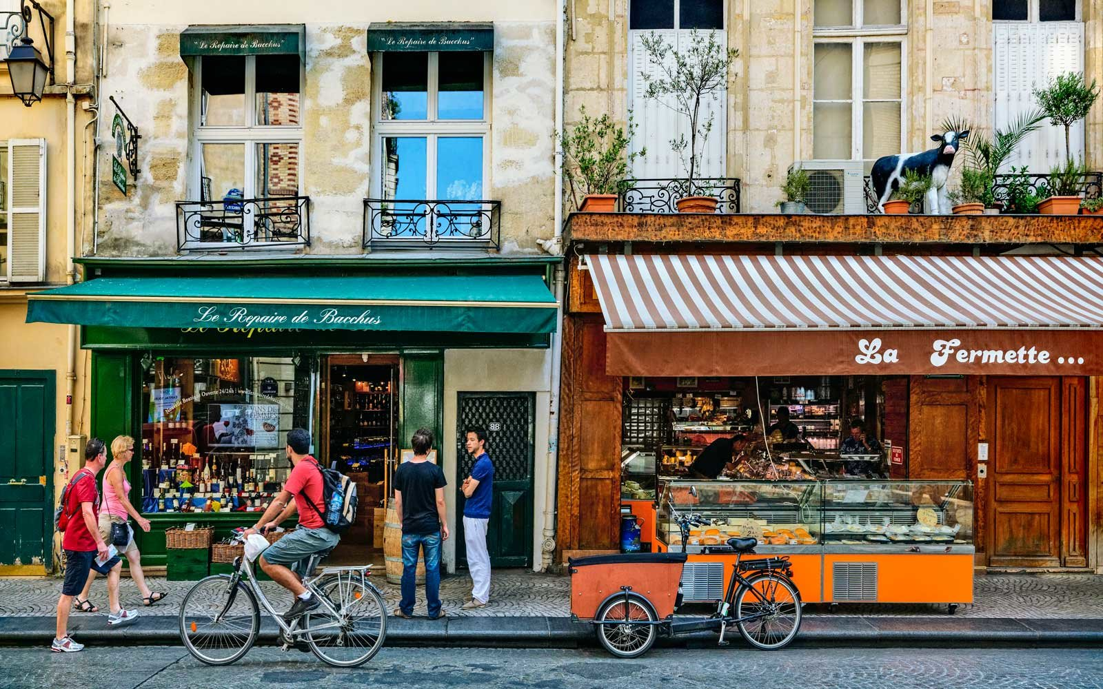 Rue Montorgueil Street Scene in Paris' Second Arrondissement