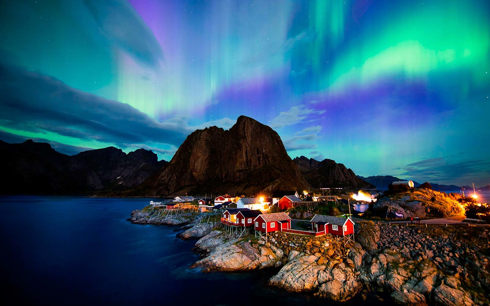 lofoten islands norway arctic aurora borealis northern lights