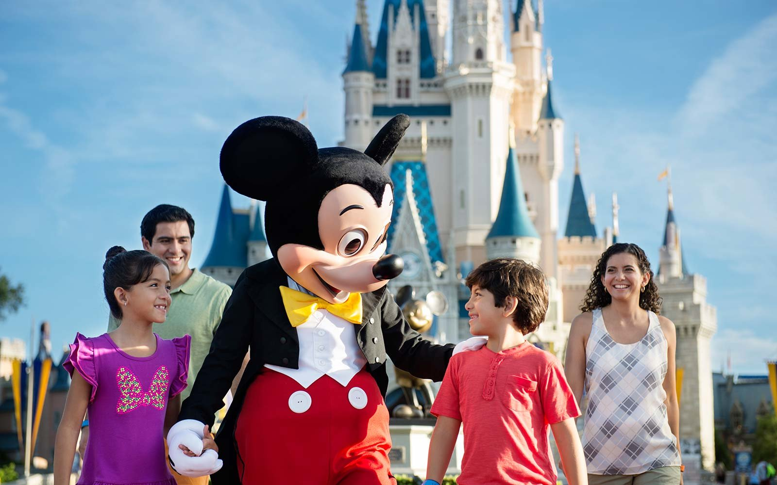 The Ultimate Guide to Planning a Disney Vacation With the Entire ...