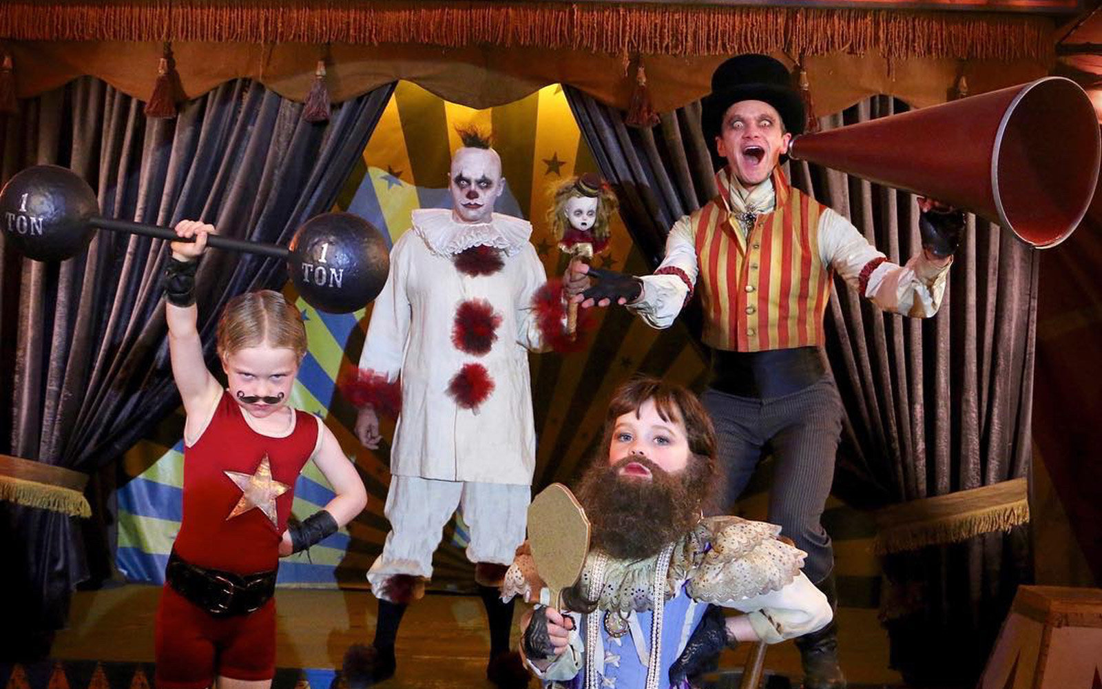 Neil Patrick Harris and his family dressed up for Halloween