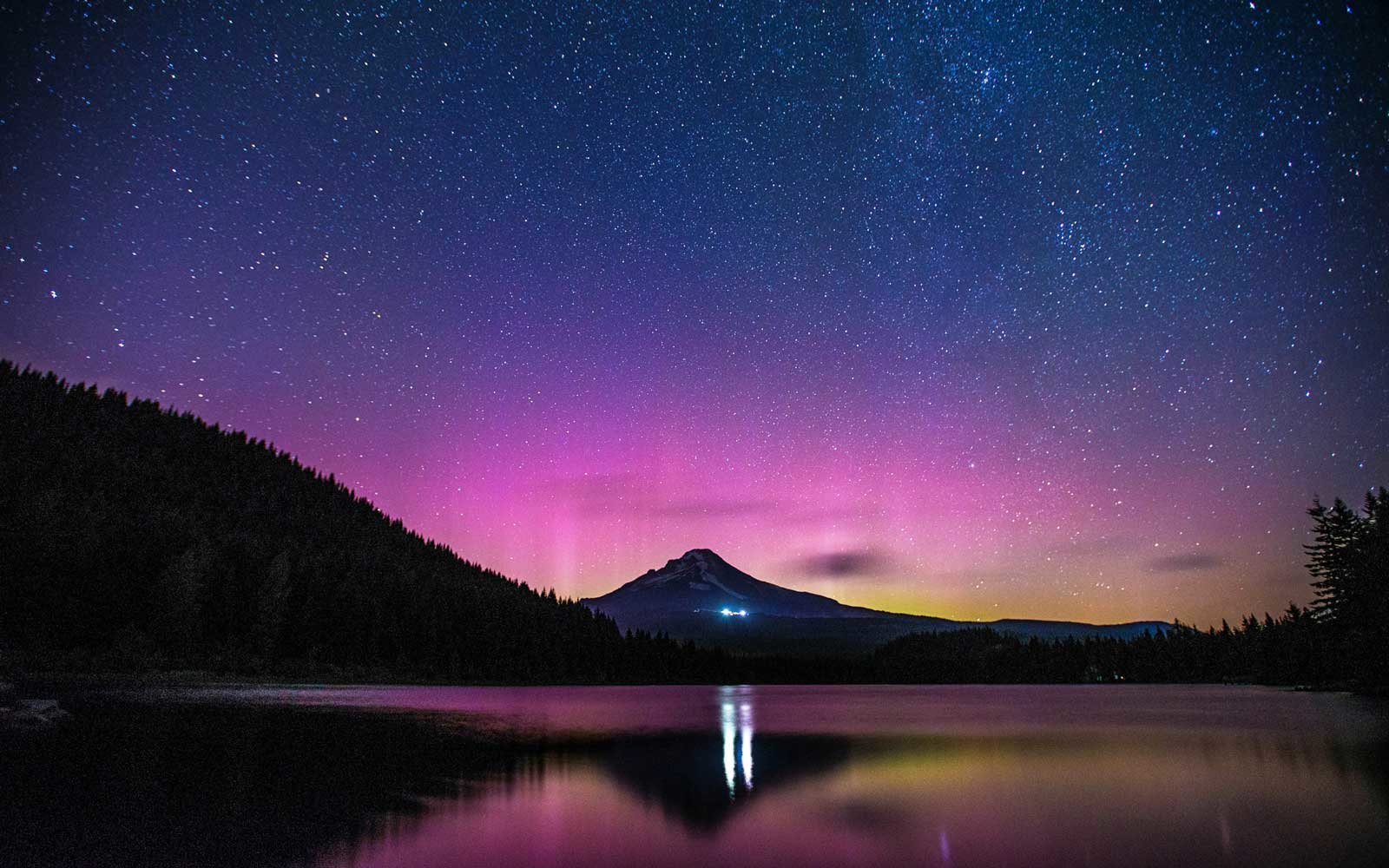 5 Places in the United States Where You Can Spot the Northern Lights