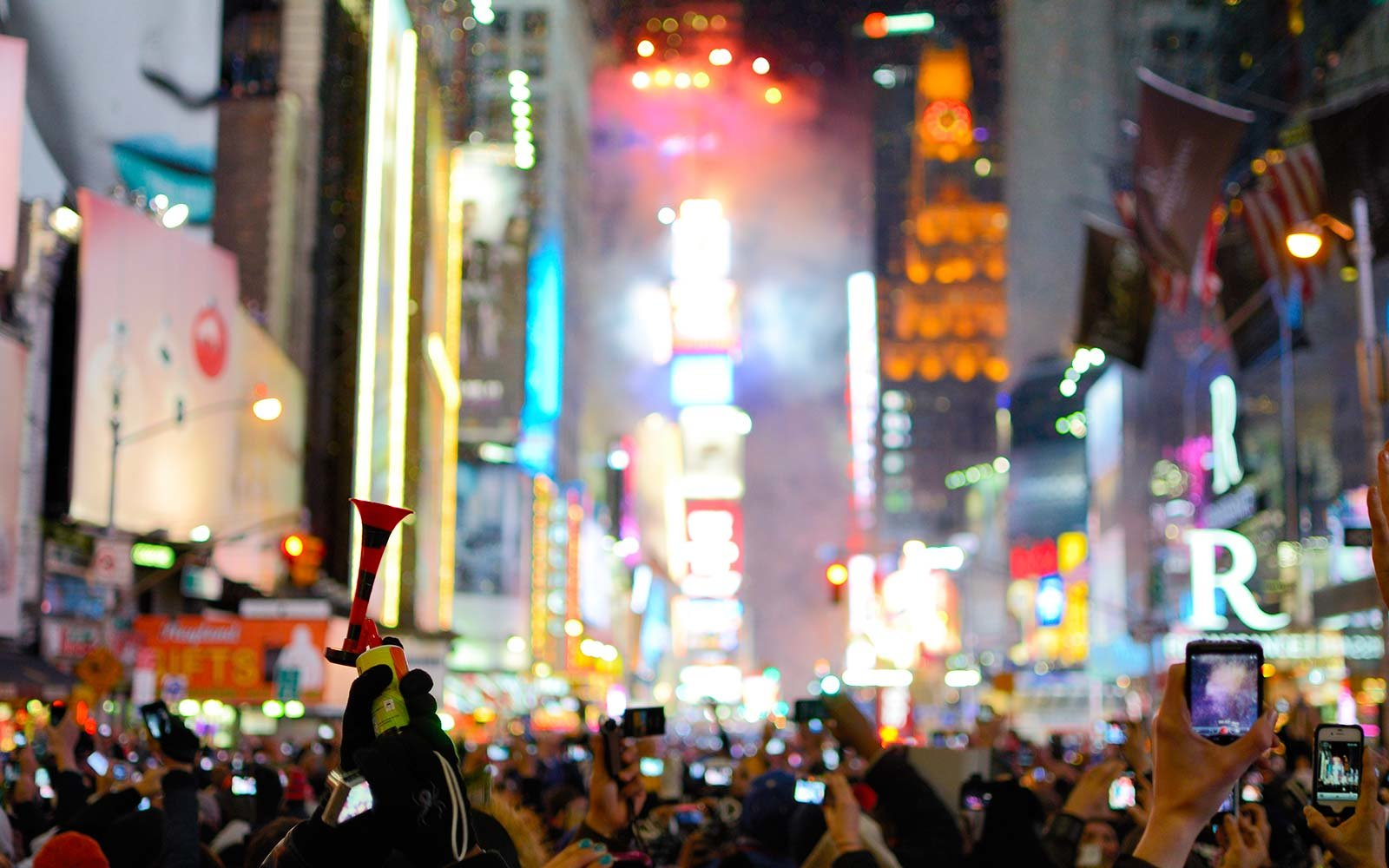 New year instagram captions travel leisure for Things to do around times square