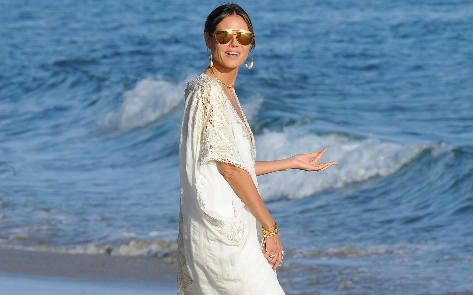 heidi klum model celebrity beach tropical vacation holiday caribbean