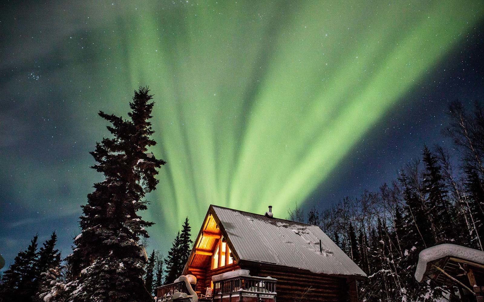 log home alaska northern lights