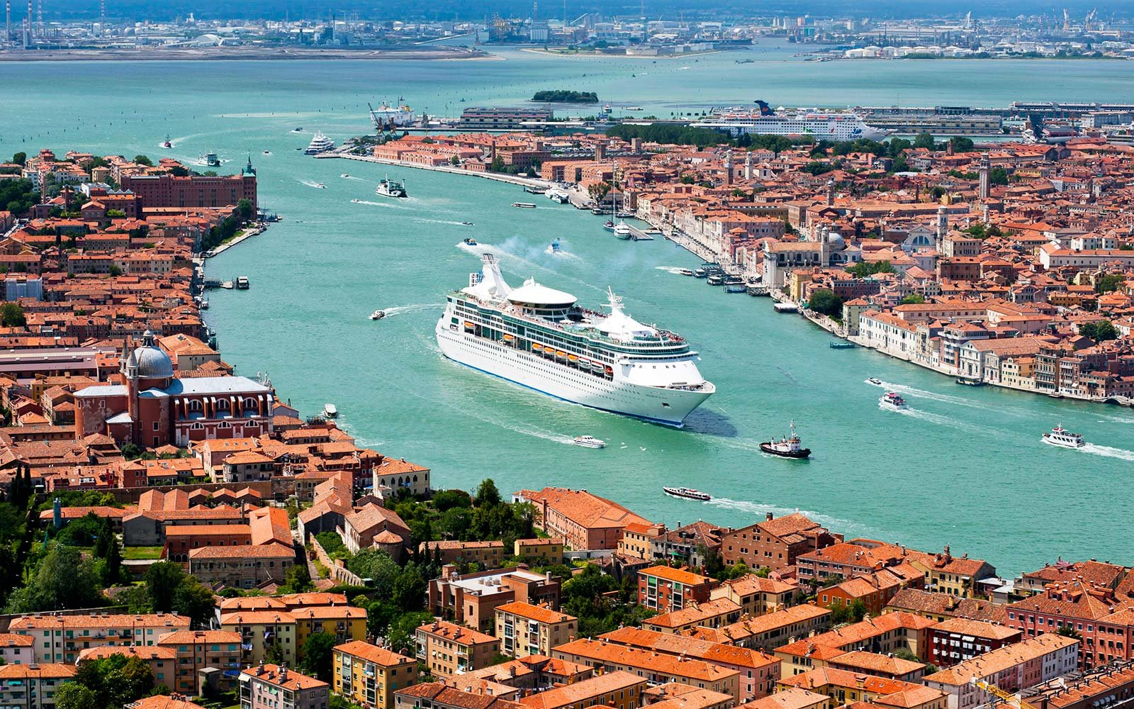 Venice Is Restricting Access To Cruise Ships Heres What It - Cruise ships images