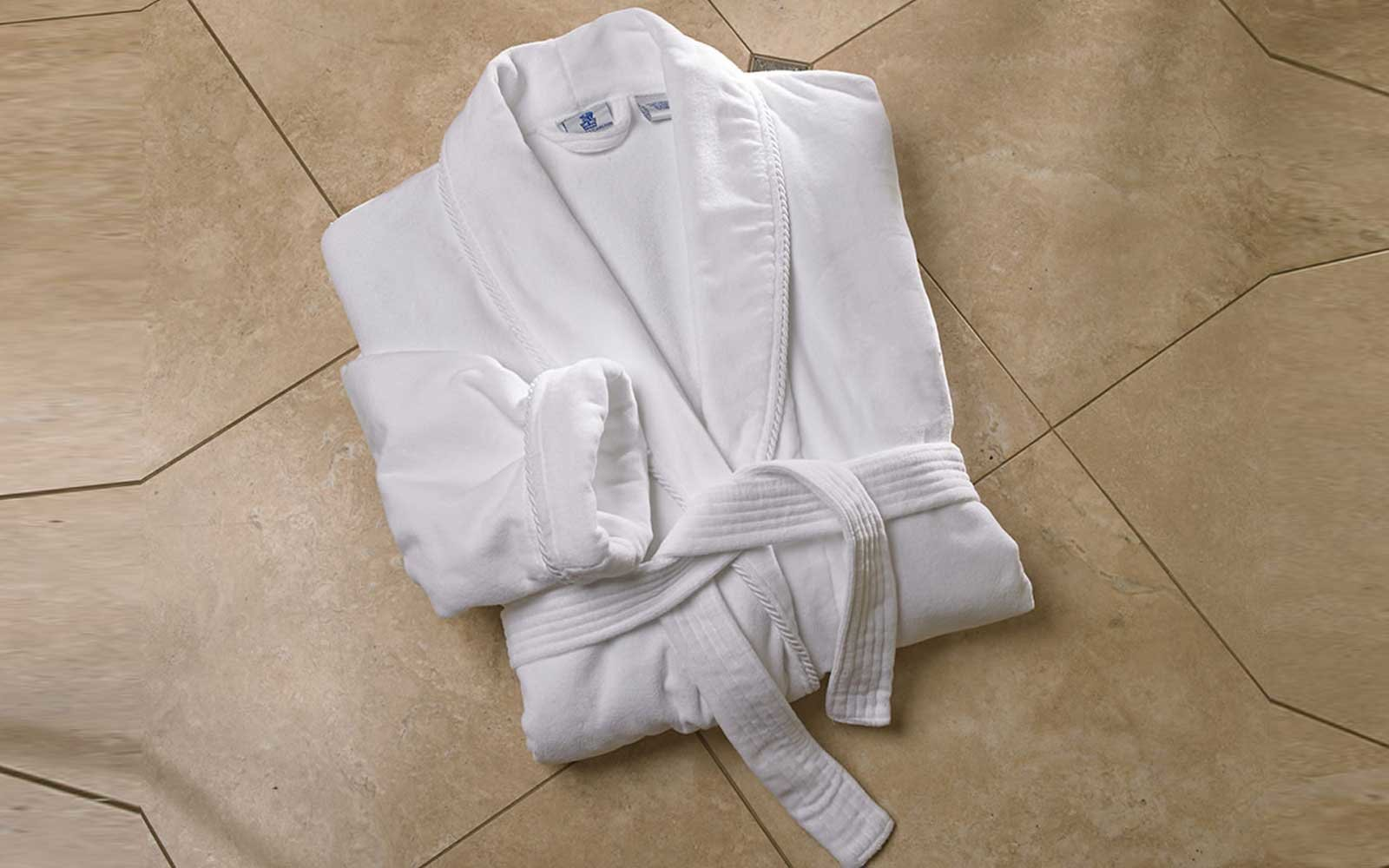 15 Luxury Hotel-quality Bathrobes You Can Buy Online | Travel + Leisure