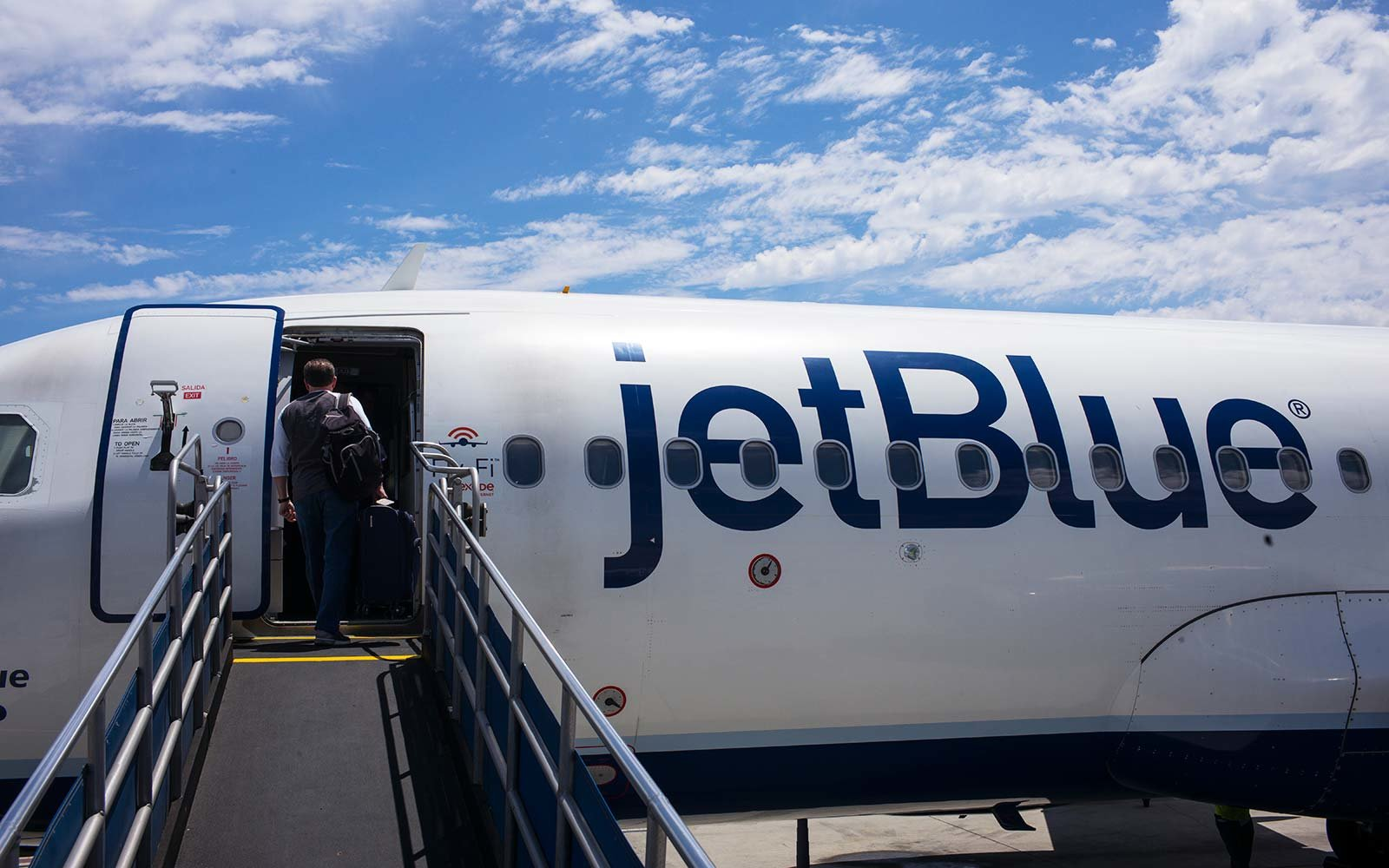 jetblue airlines airplane volunteer passenger flight