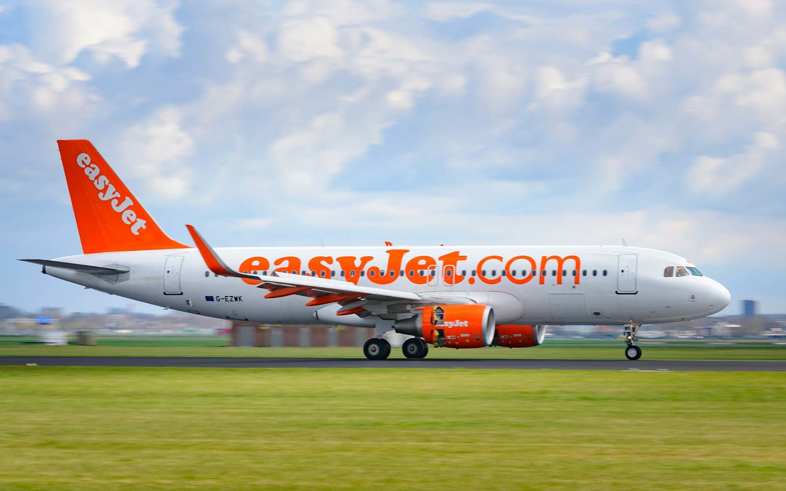 EasyJet airplane Europe flight