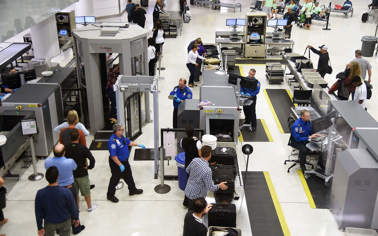 Southwest Airlines pilot arrested after TSA finds gun in his bag