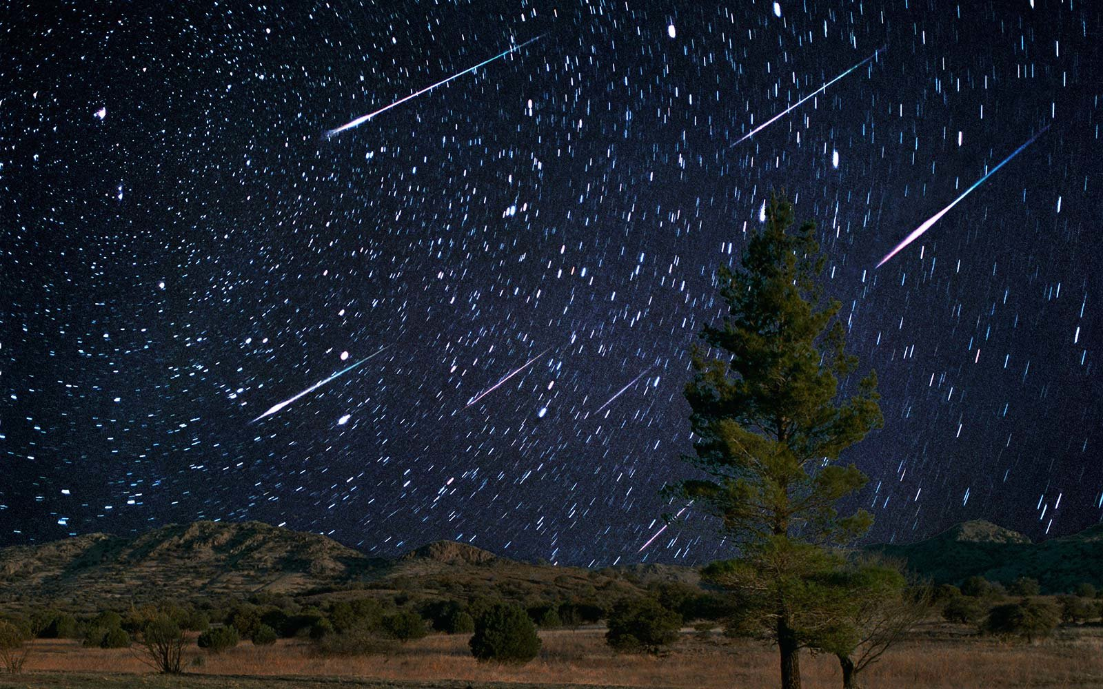 Tonight's Spectacular Meteor Shower Will Fill The Sky With