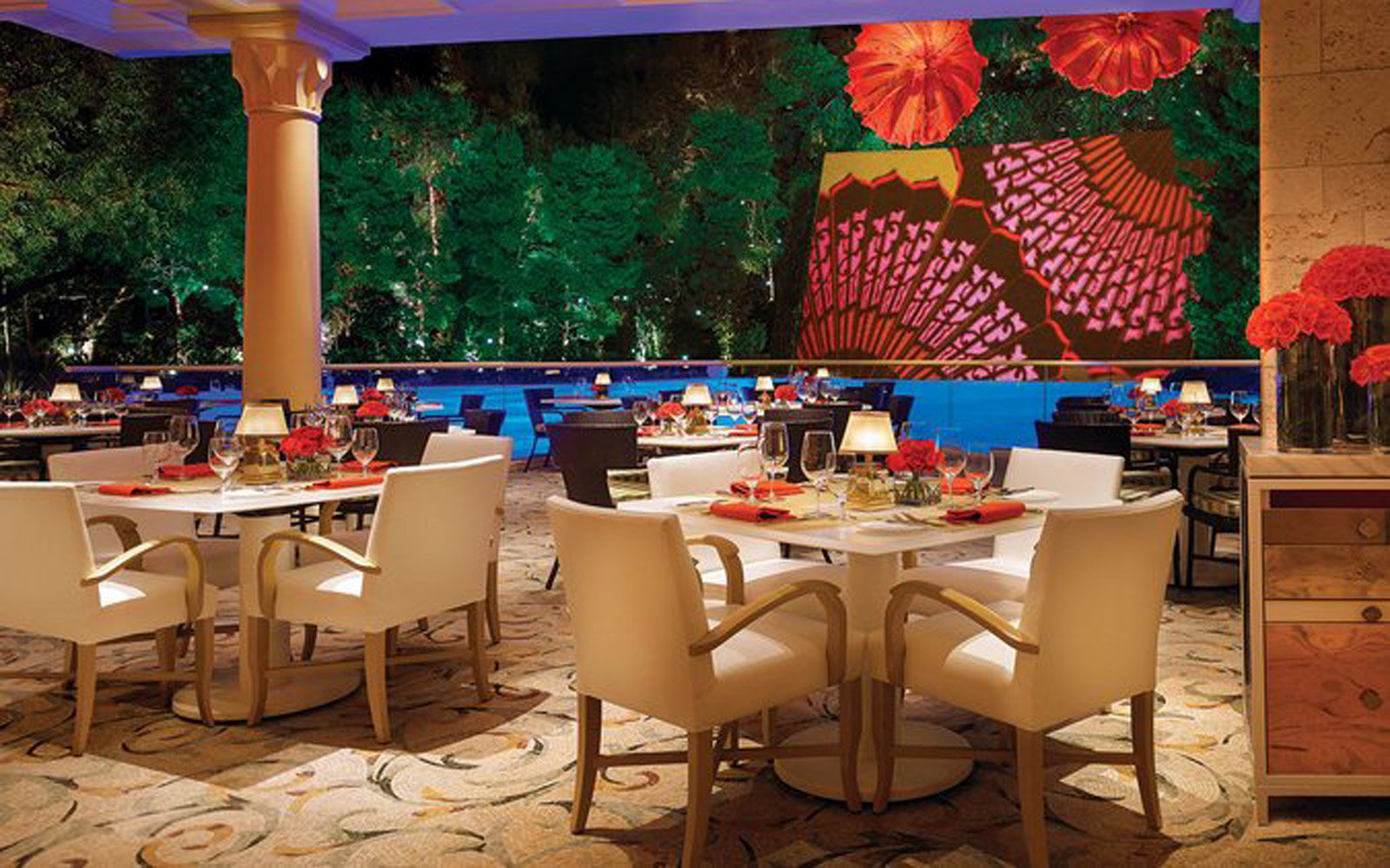 Nevada: Lakeside Restaurant at the Wynn Hotel