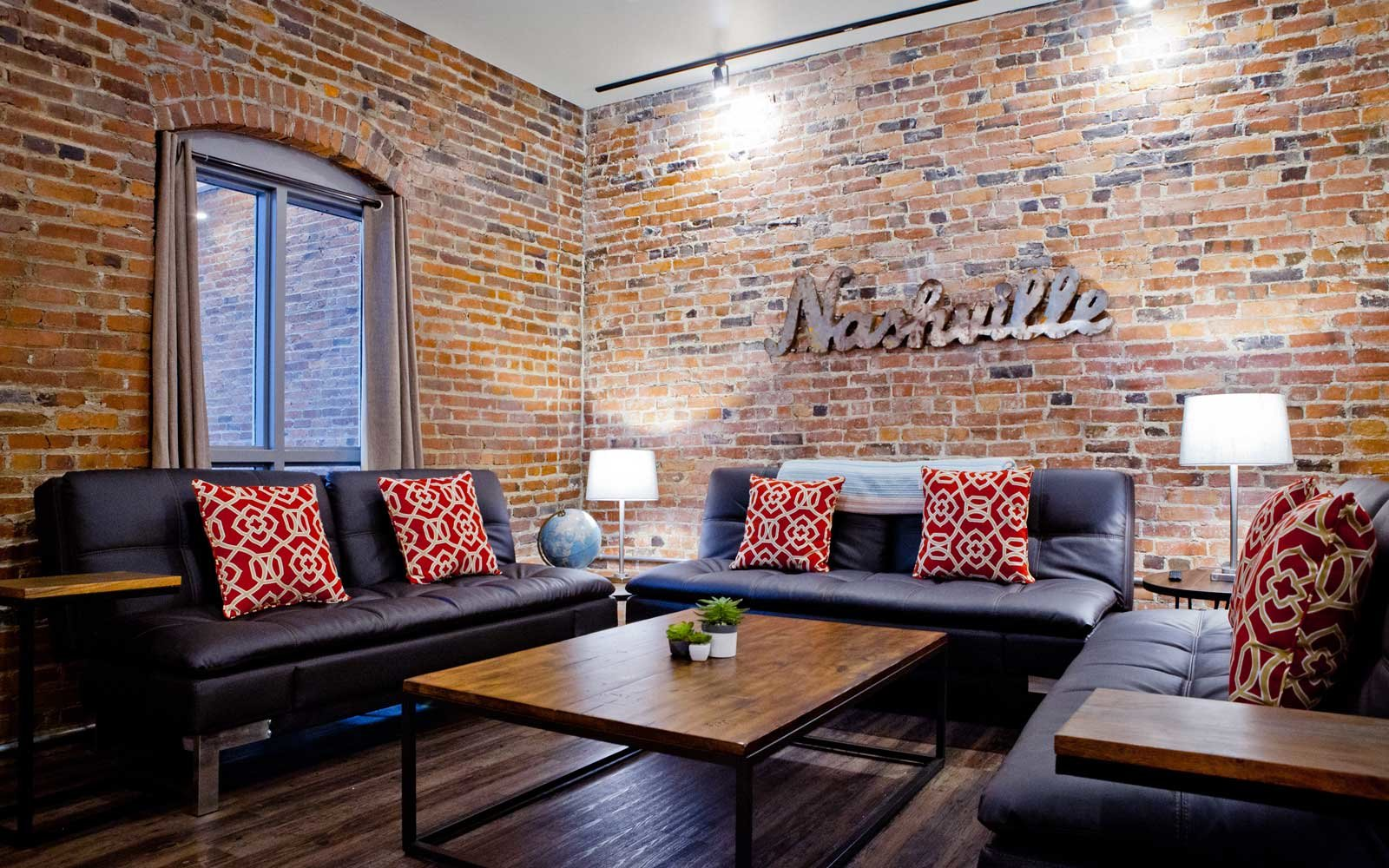 The best airbnbs for celebrating new year 39 s eve travel for Airbnb nashville