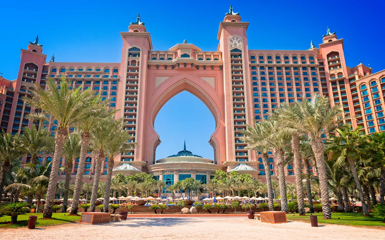 The facade of the Atlantis The Palm Dubai hotel