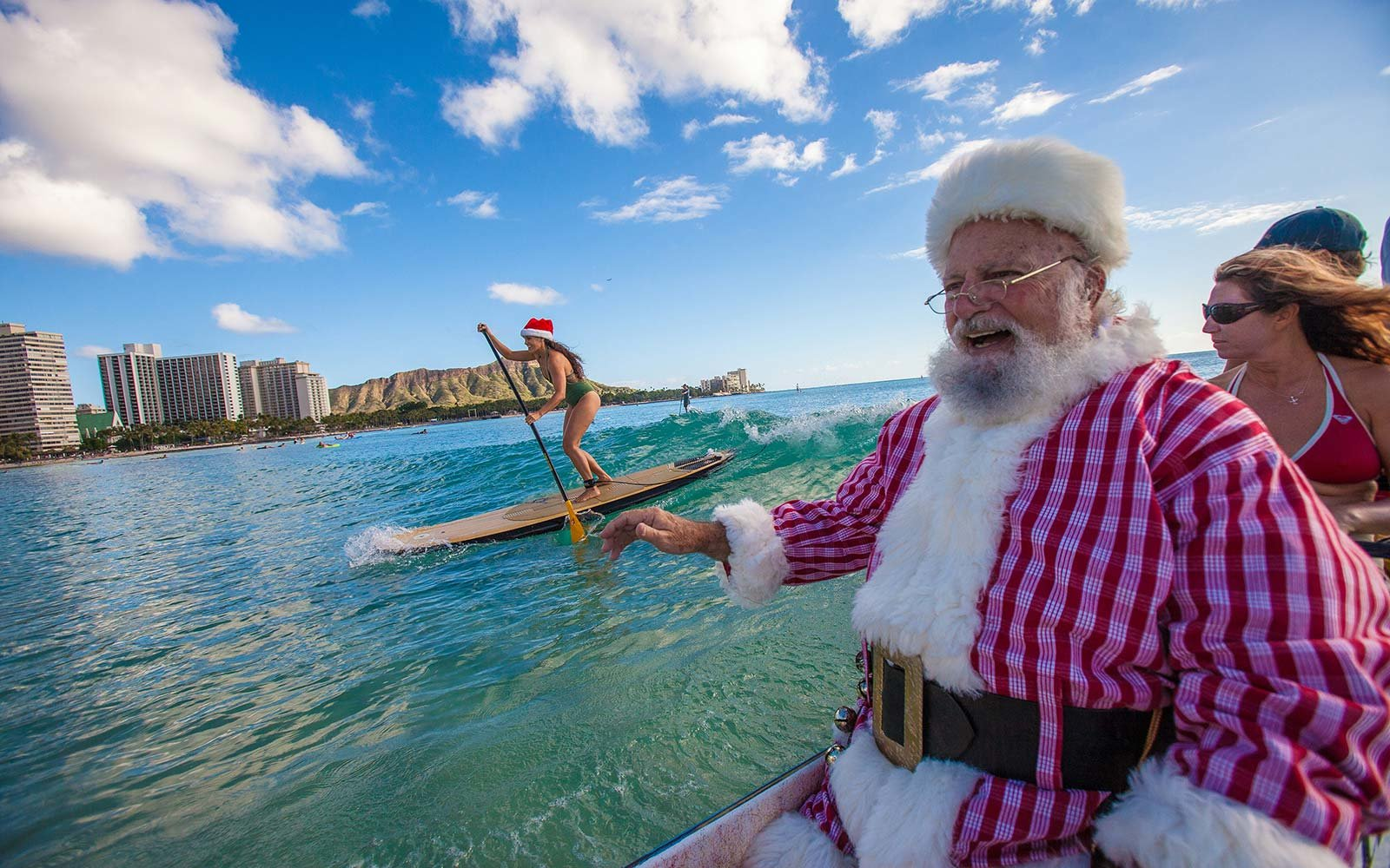 Hawaii Christmas.In Hawaii Santa Claus Arrives By Canoe Travel Leisure