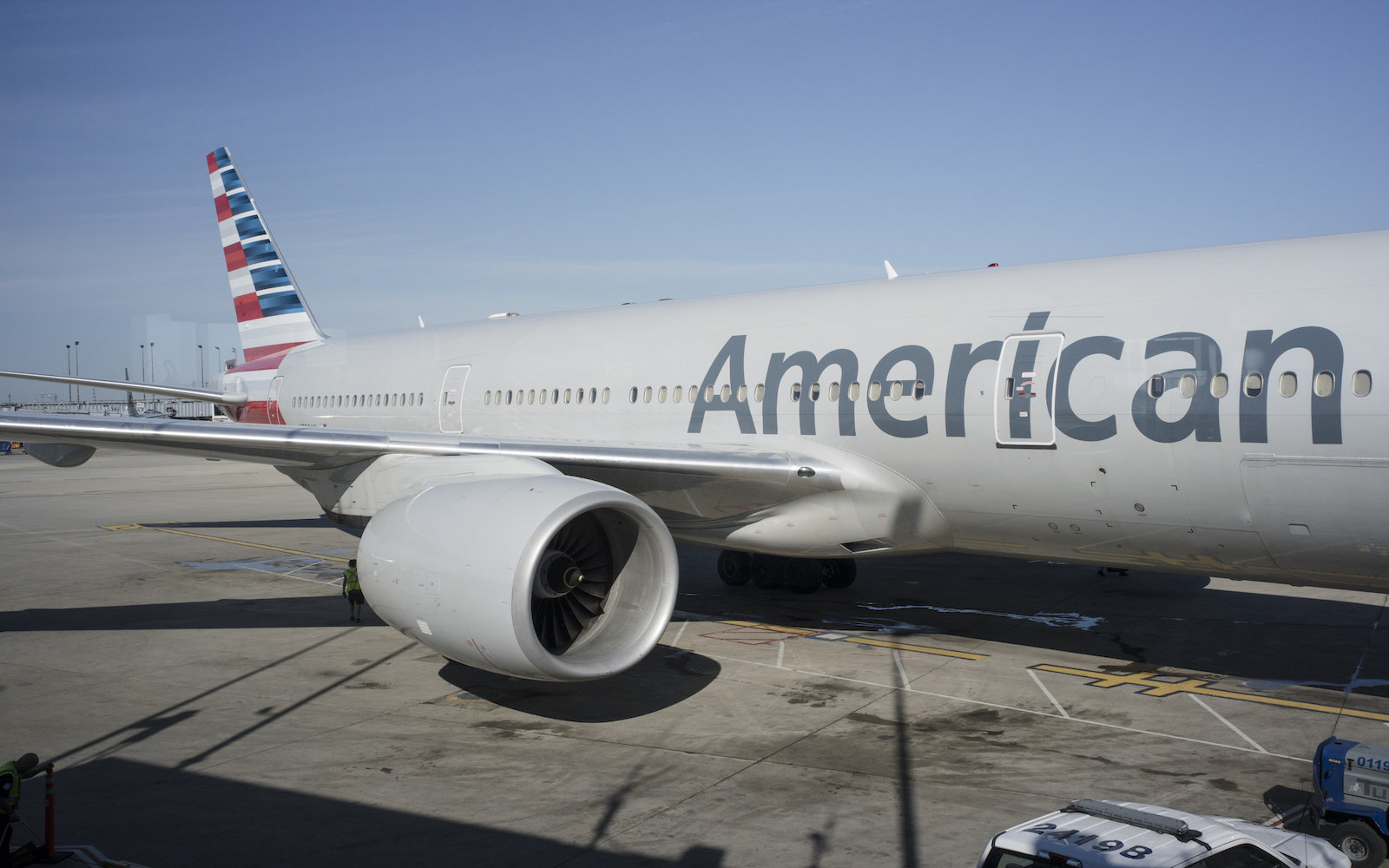 American Airlines Is Banning Smart Luggage Unless It's Got This Feature