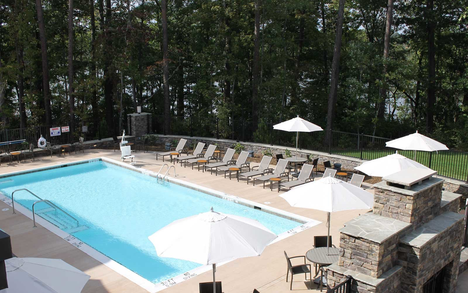 Stay On The Shores Of Lake Raleigh In North Carolina For
