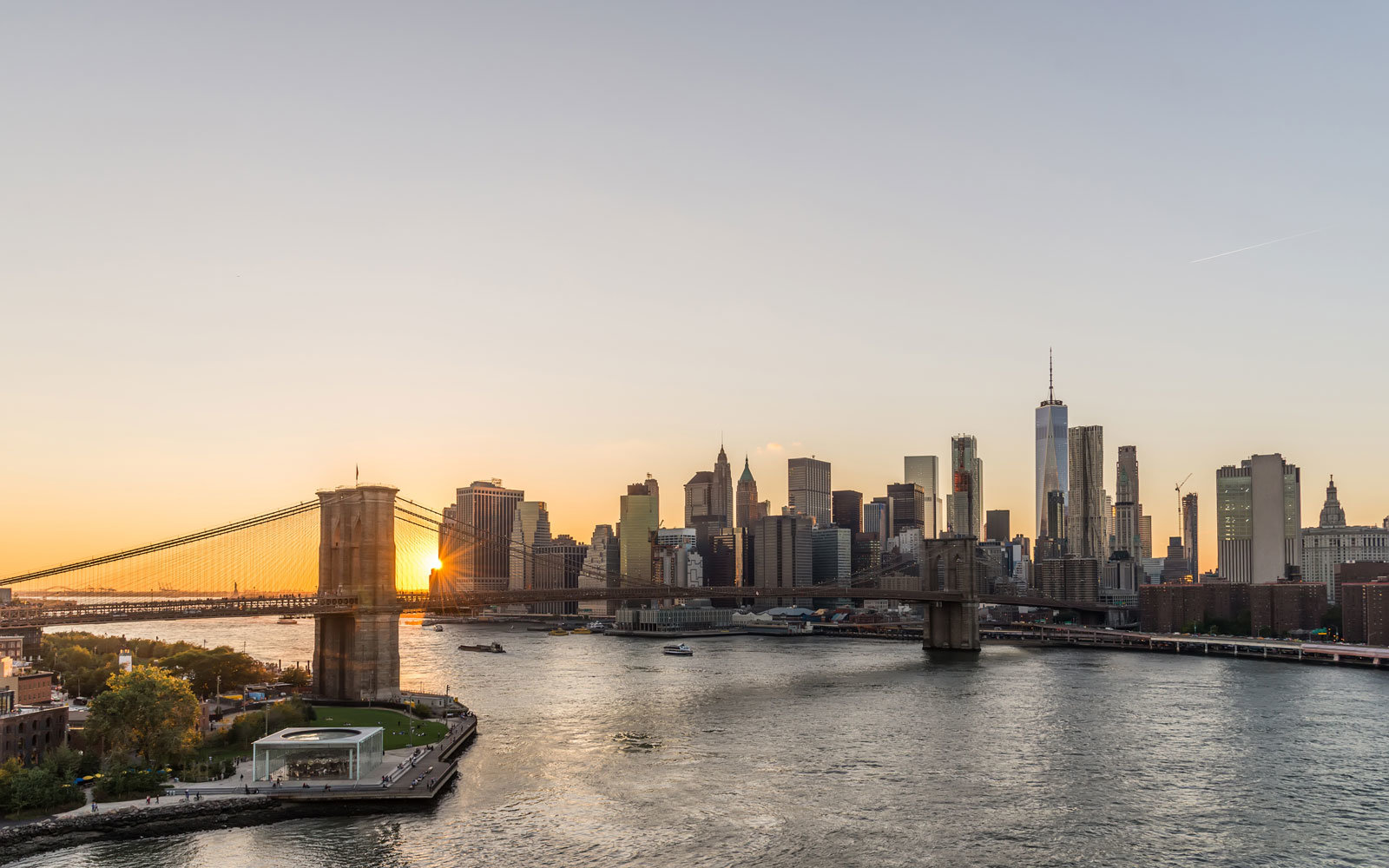 Manhattan and the Brooklyn Bridge at sunset