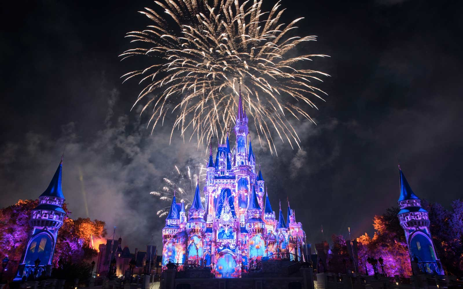 Why You Should Get To Magic Kingdom Before It Opens And