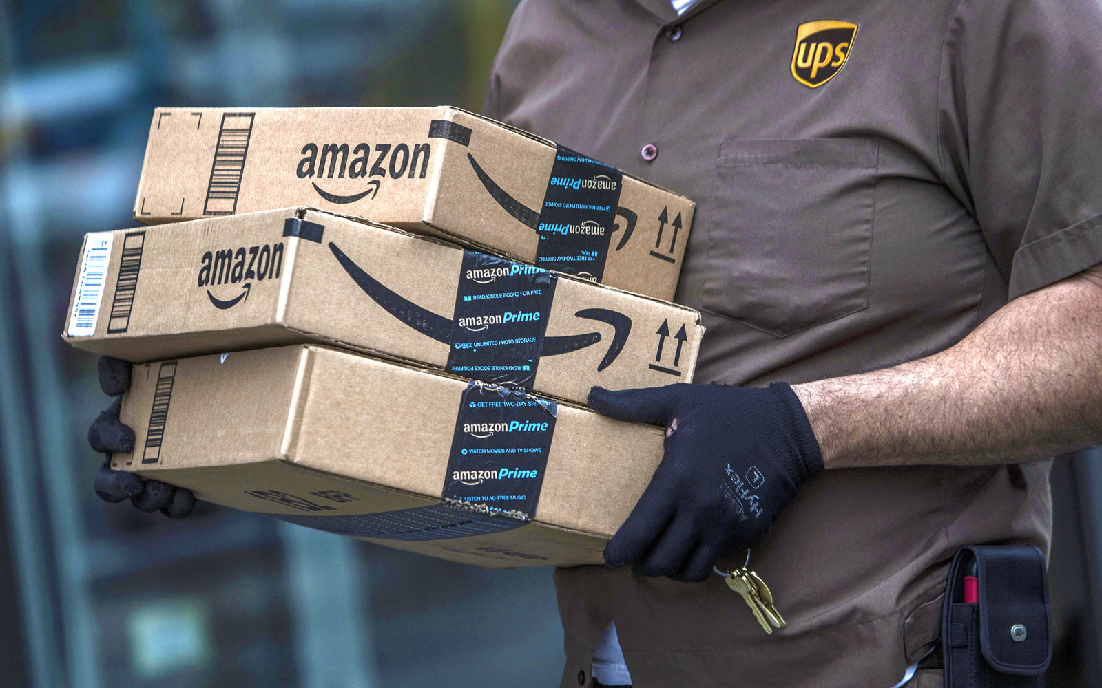 Amazon launches free same-day shipping for Prime members