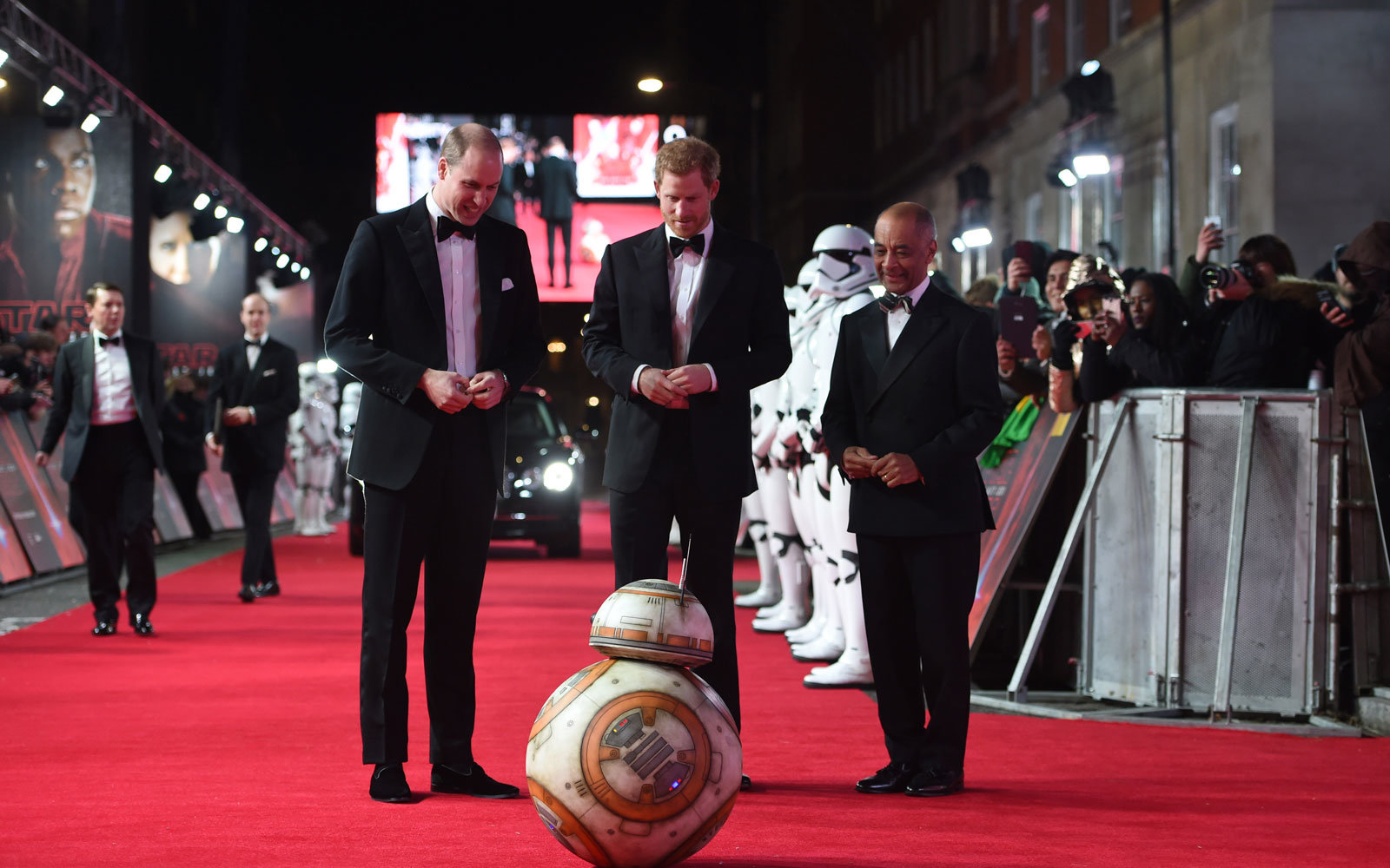 prince William and prince harry at star wars premiere