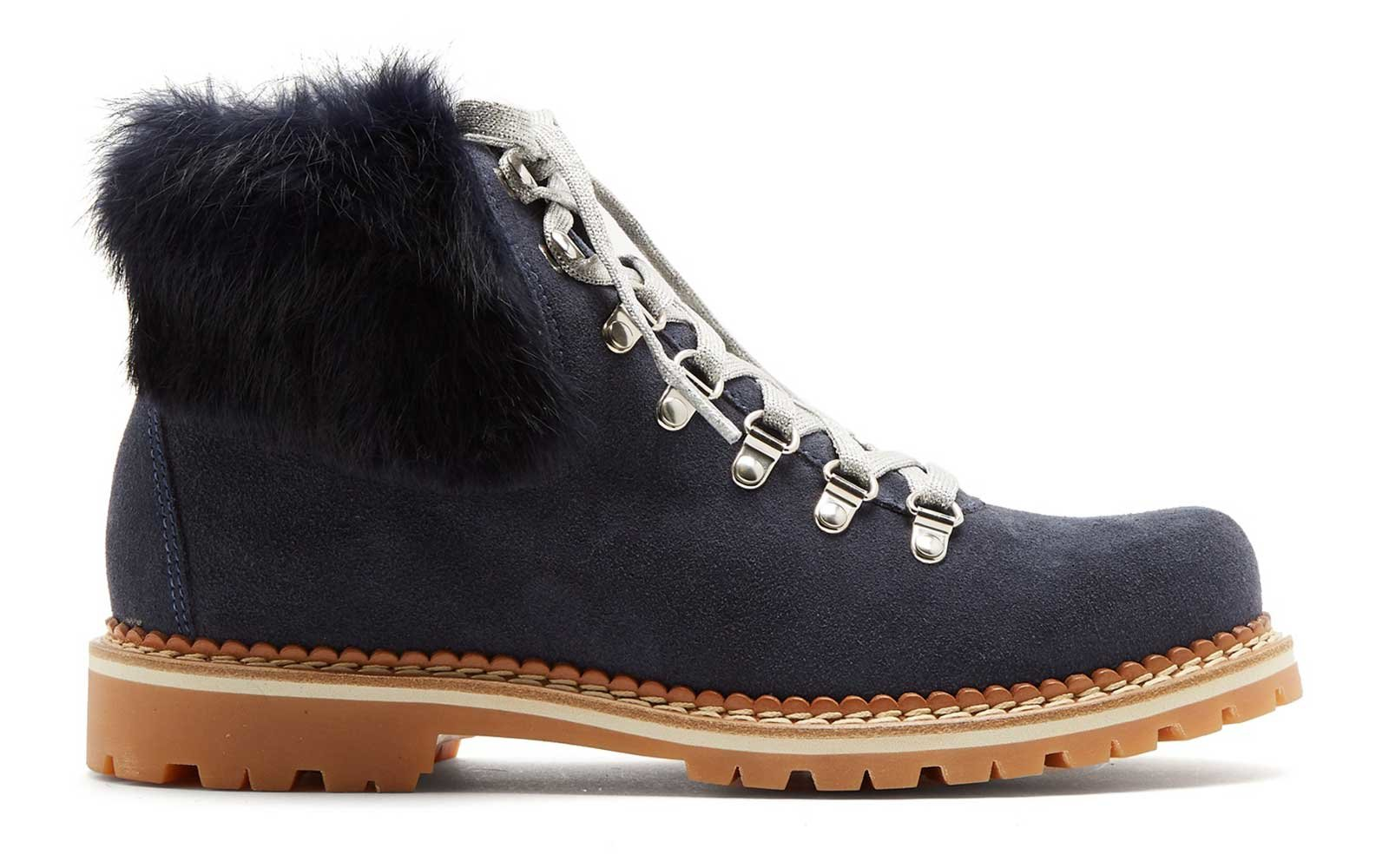 Fur trimmed mountain boots by Montelilana