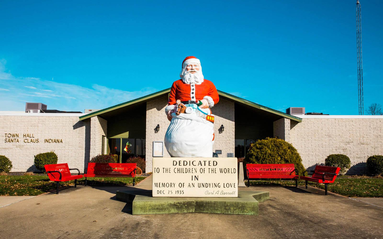 This Adorably Festive Town In Indiana Is Where All Your
