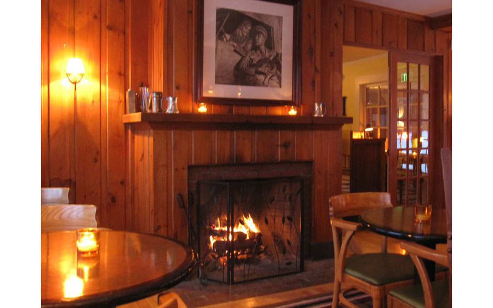 New Hampshire – Tavern at The Horse and Hound Inn