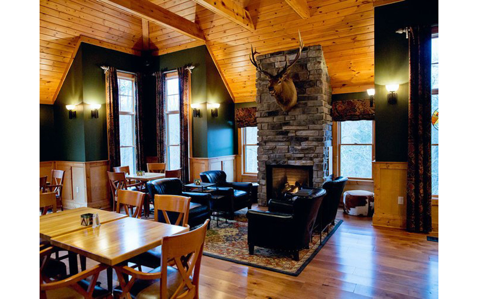 West Virginia – Bar at the Guesthouse