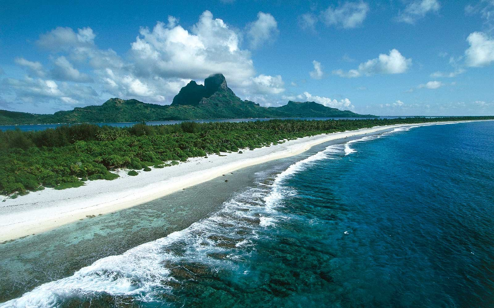 French Polynesia, Society Islands, Leeward Islands, Bora-Bora Island, Motu beach