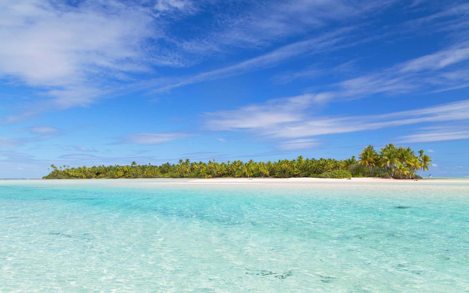 Les Sables Roses pink sand beach, in French Polynesia