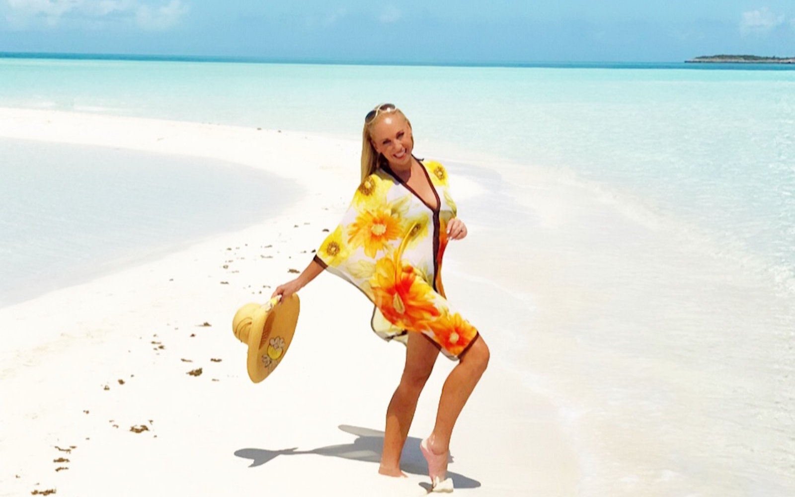 Travel TV host Linda Cooper in the Bahamas