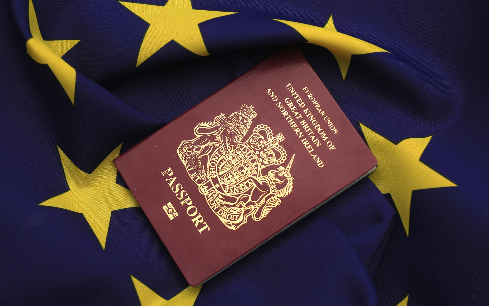 United Kingdom to get its iconic dark blue passport back