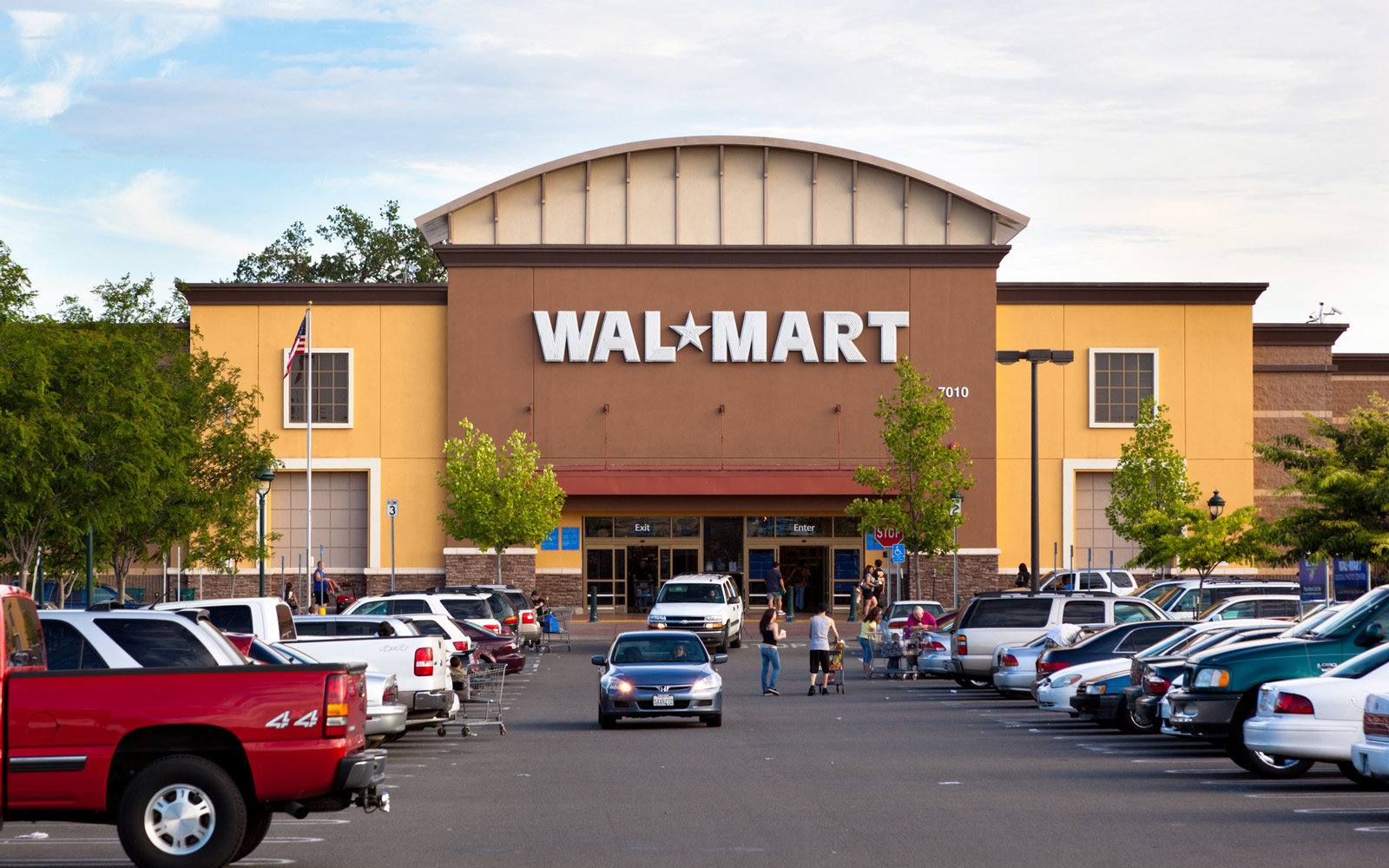 Walmart Is Testing Completely Getting Rid of Cashiers