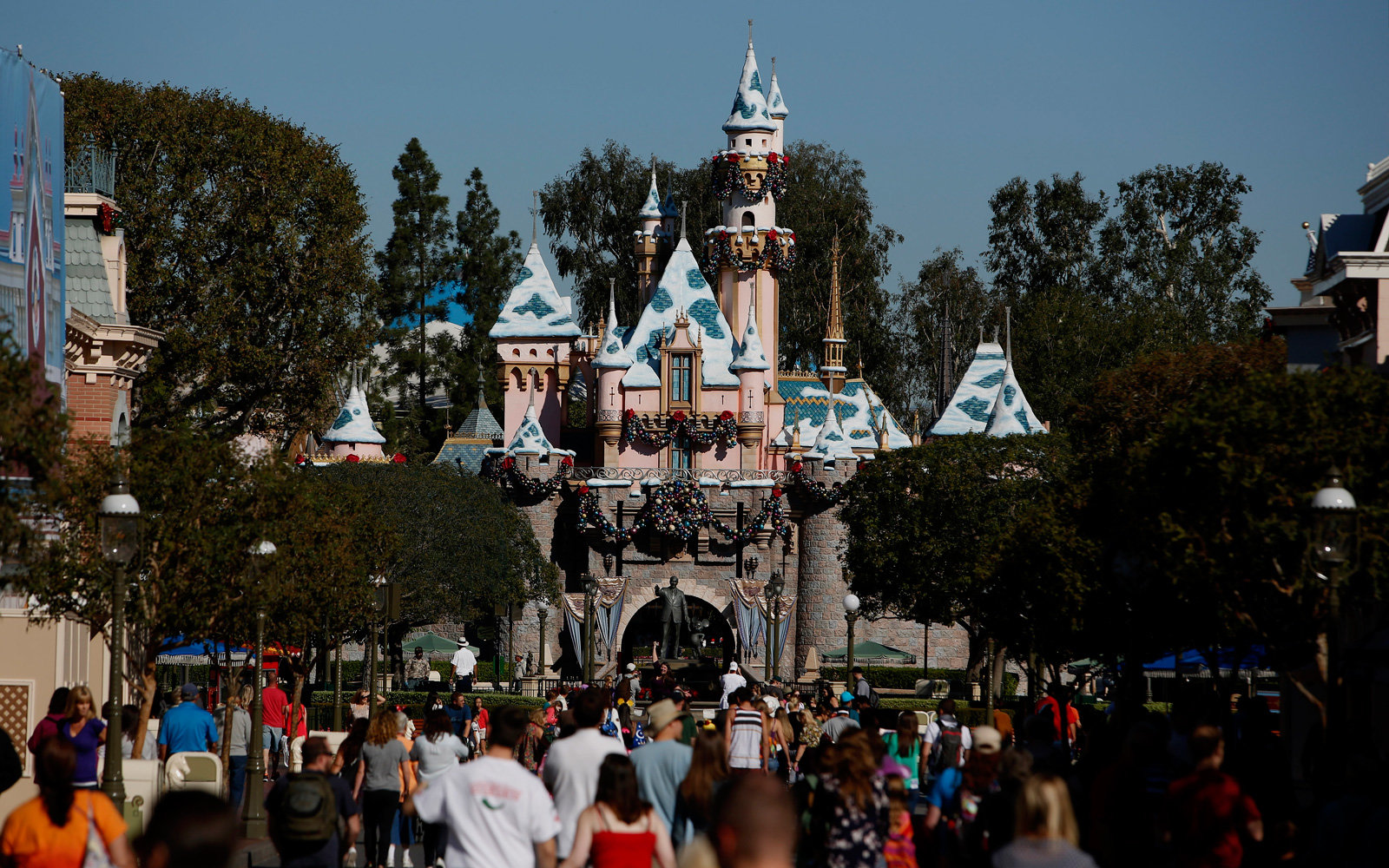 Disneyland power outage won't mean refunds