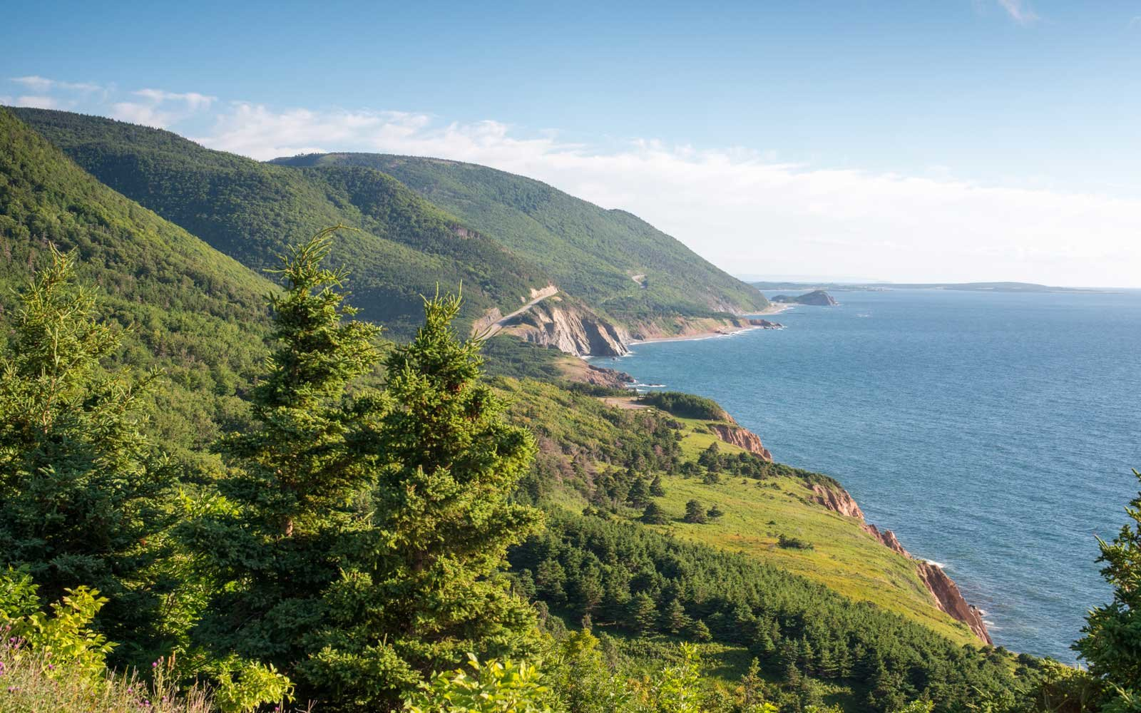 Beautiful shore line of Cape Breton Highlands Nation Park, Canada