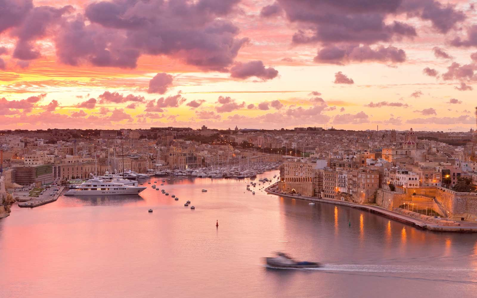 Malta, La Valletta, listed as World Heritage by UNESCO, Three Cities from the Upper Barraca gardens