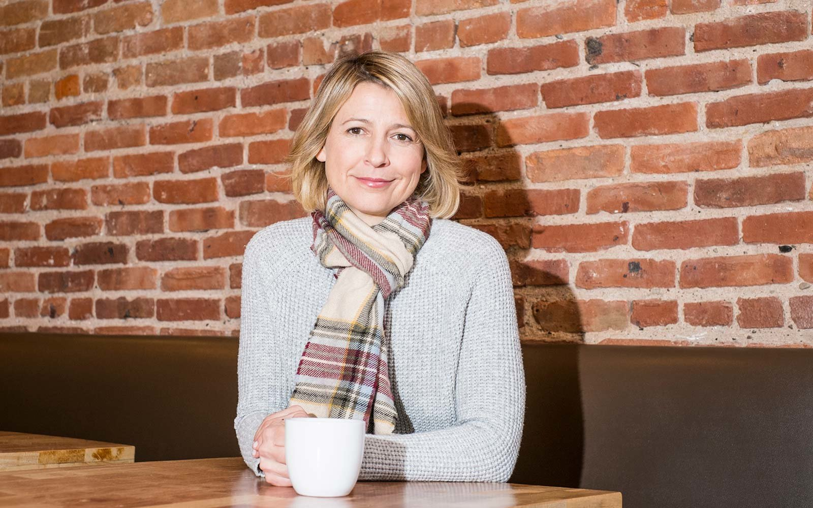Samantha Brown Travel Guide Host TV Show