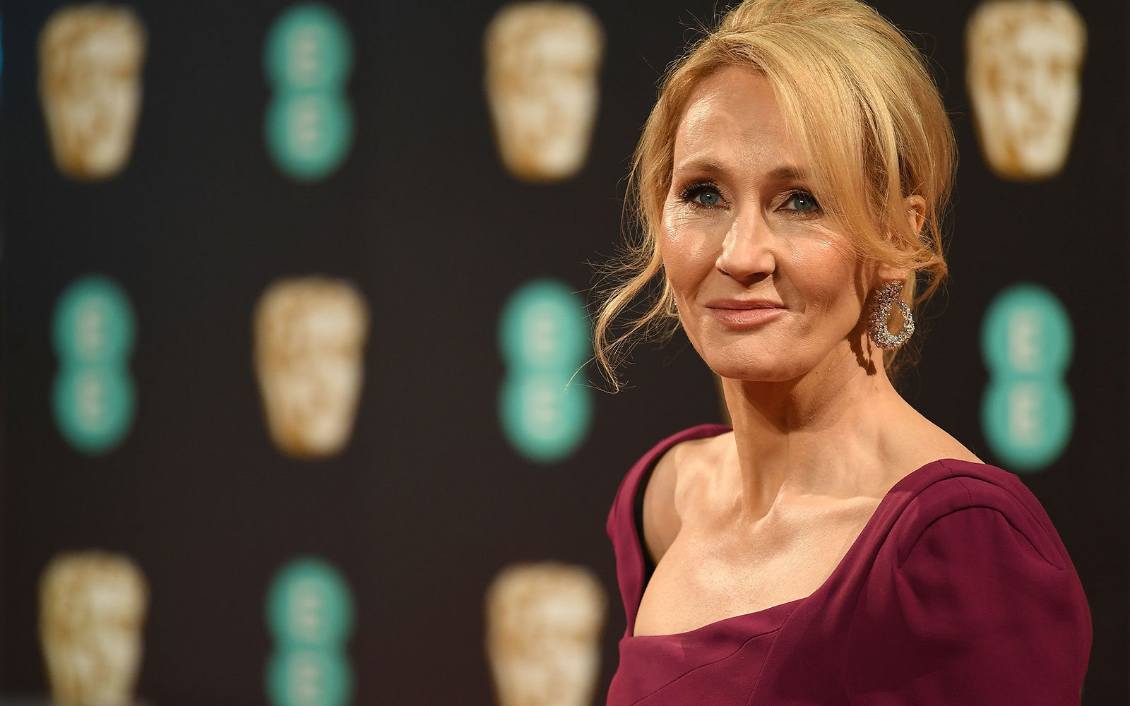 J K Rowling Officially Has Her Own Pub In Scotland