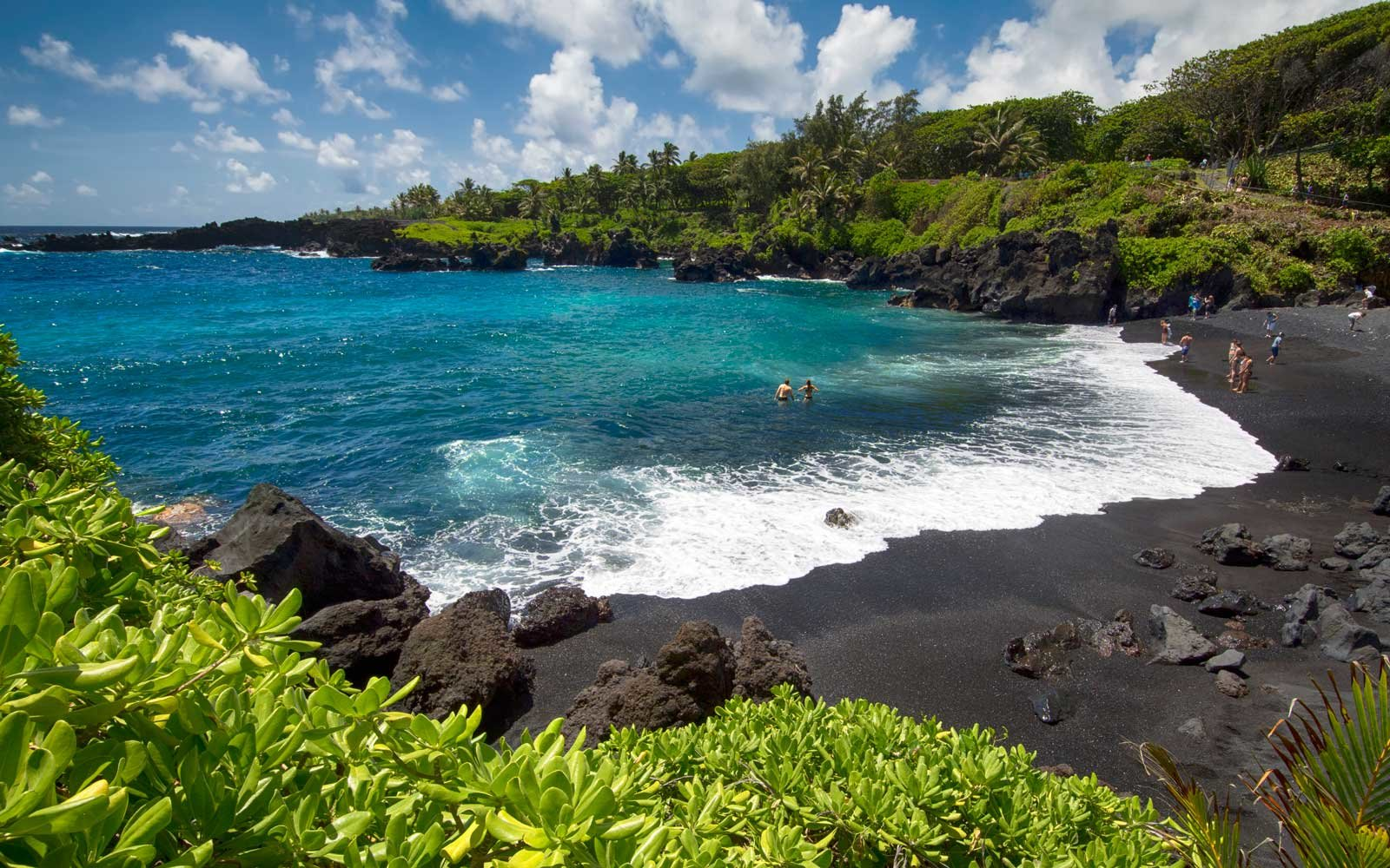 maui-hawaii-black-sand-beach-GETWARMQUICK0118.jpg