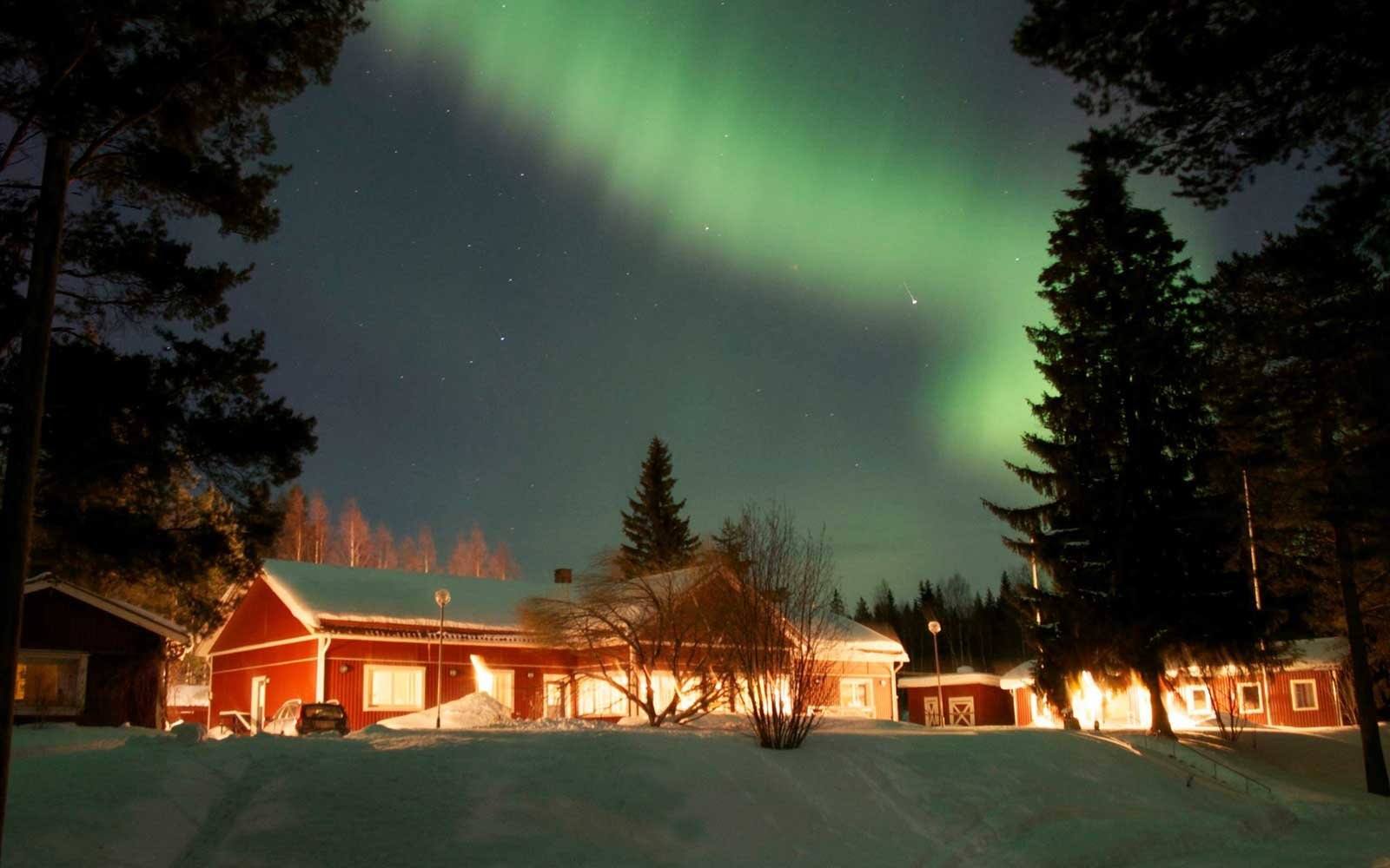The best places to see the northern lights in march 2018 for Best vacation spots in march