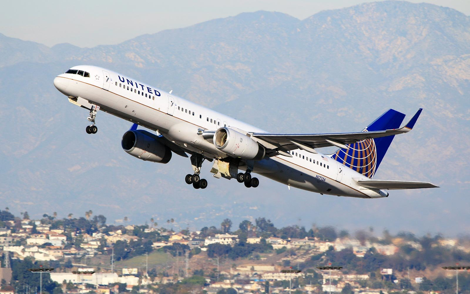 United Airlines Boeing 757 Airplane