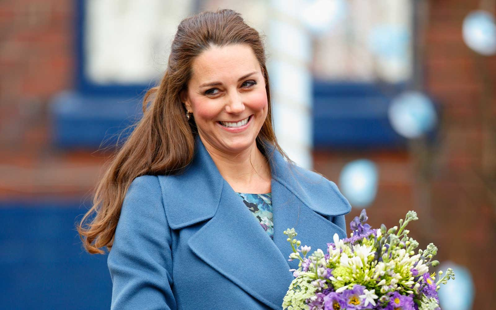 Kate middleton wore her favorite maternity dress to her first catherine duchess of cambridge in maternity dress ombrellifo Choice Image